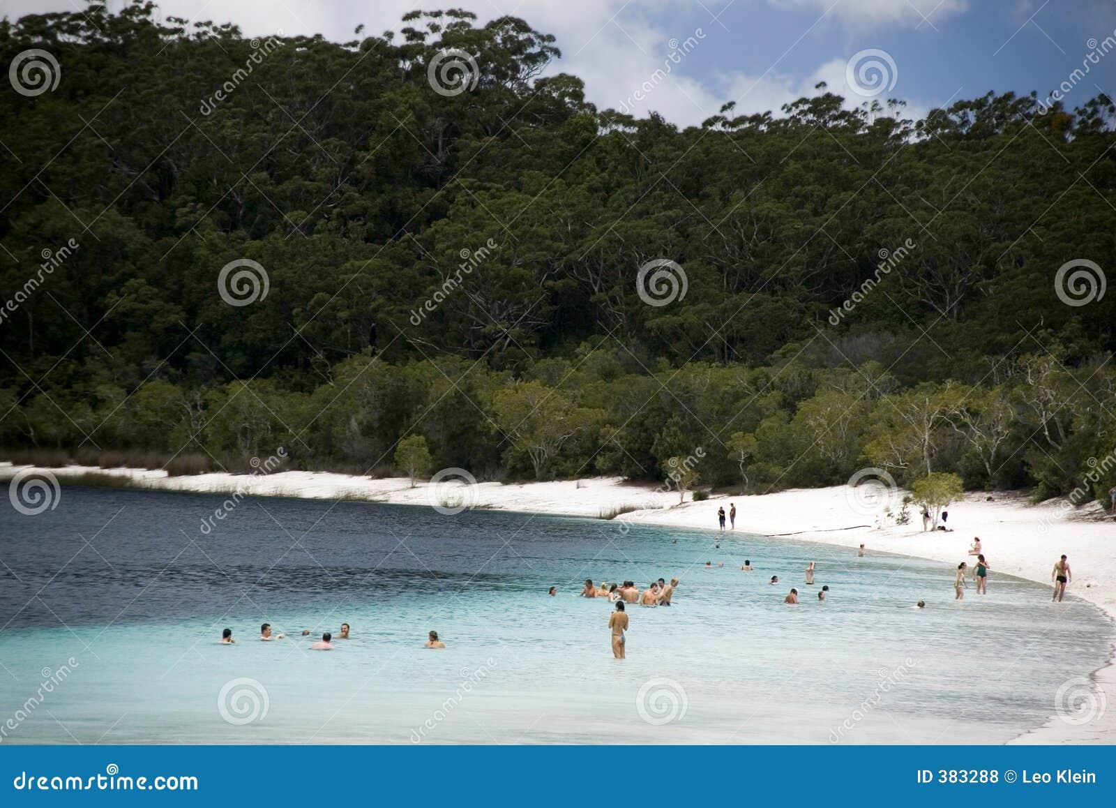 κολύμβηση λιμνών νησιών alexandara fraser