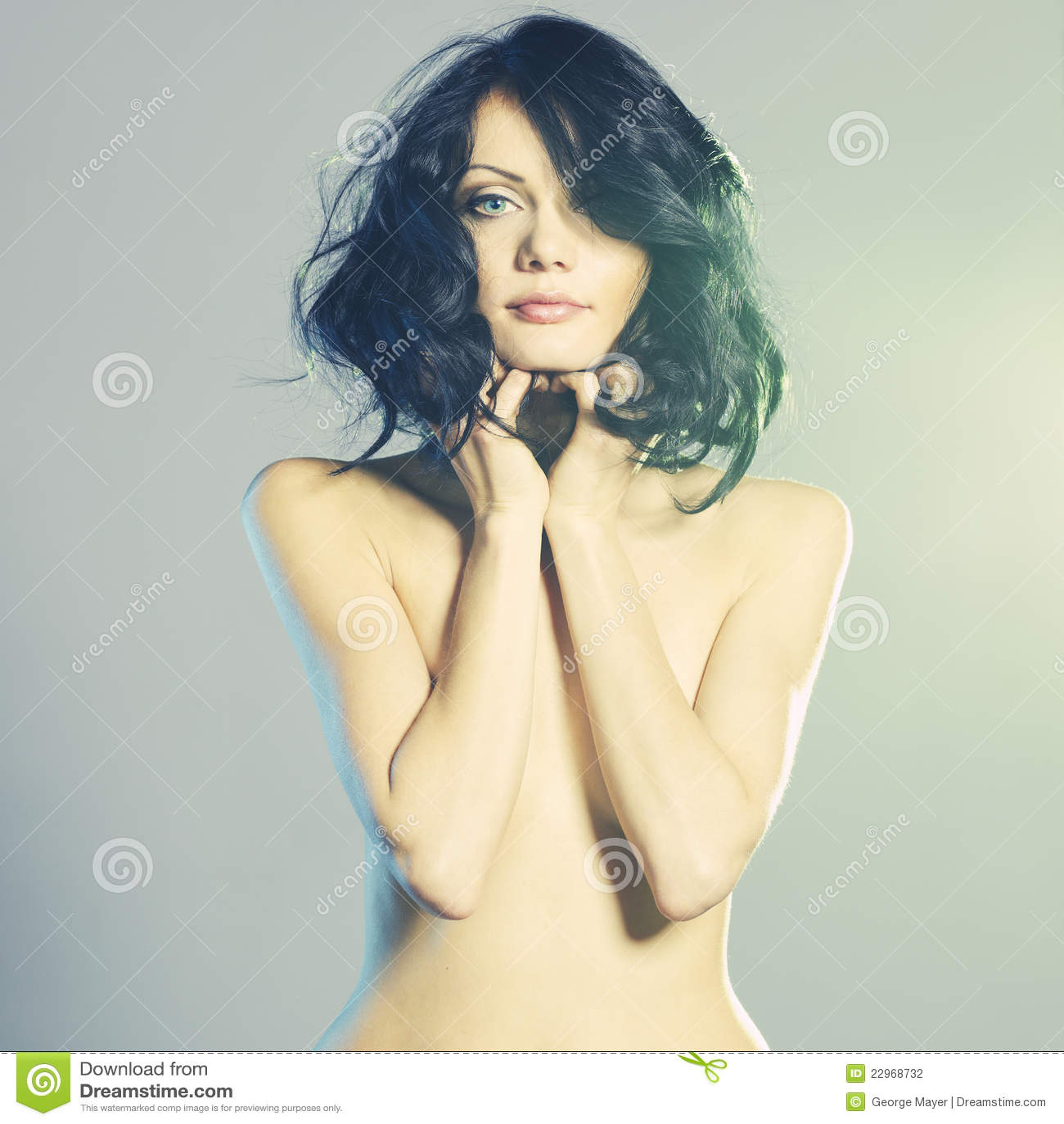 Γυμνό αρσενικό μοντέλα μόδας
