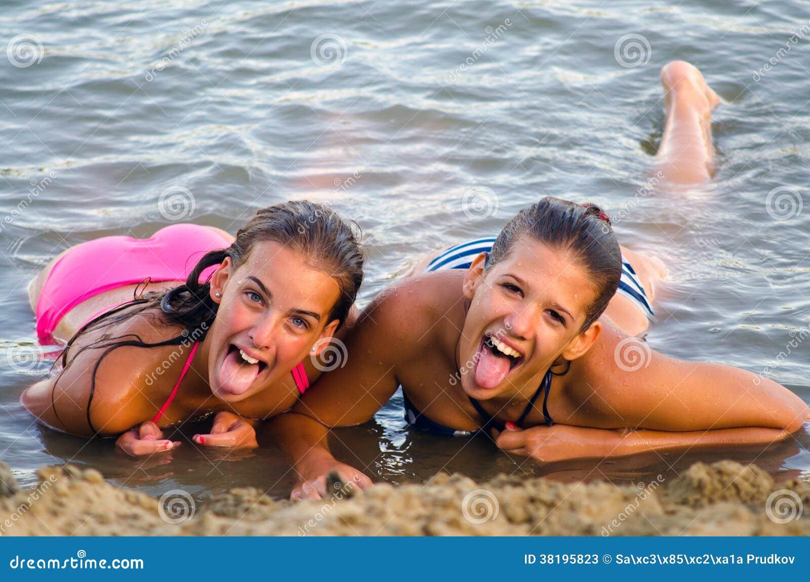 Αφρικανική έφηβος κορίτσια γυμνό ώριμος/η κανάλι πίπα