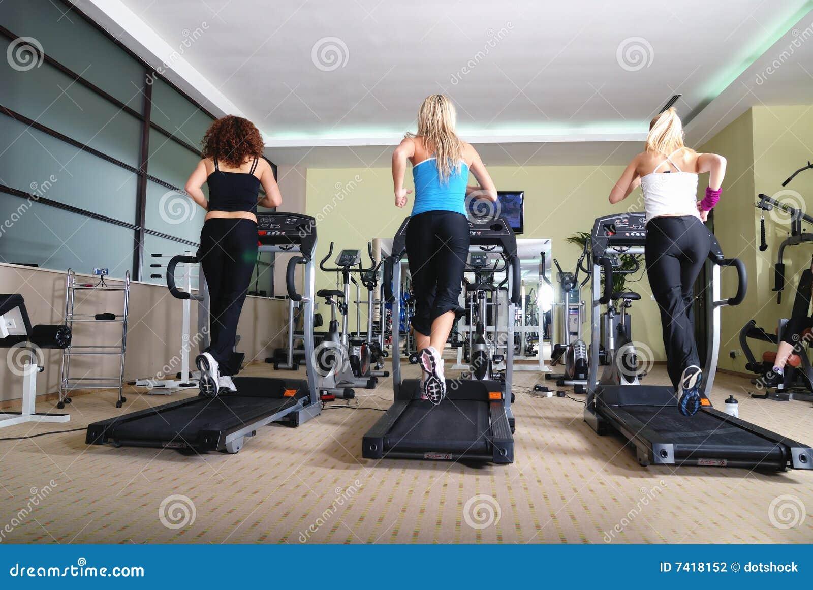 Κορίτσια που τρέχουν… και που τρέχουν…