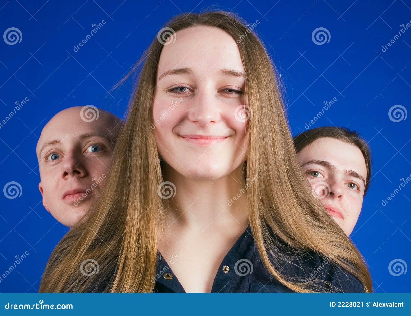 Κορίτσι και δύο τύποι