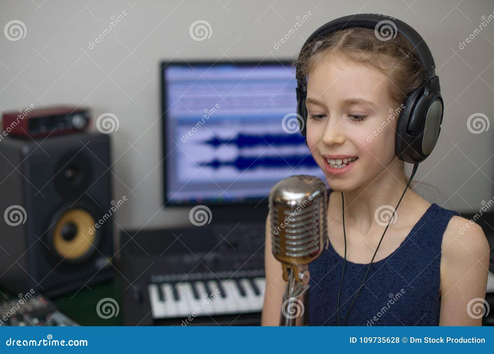κορίτσι λίγο τραγούδι