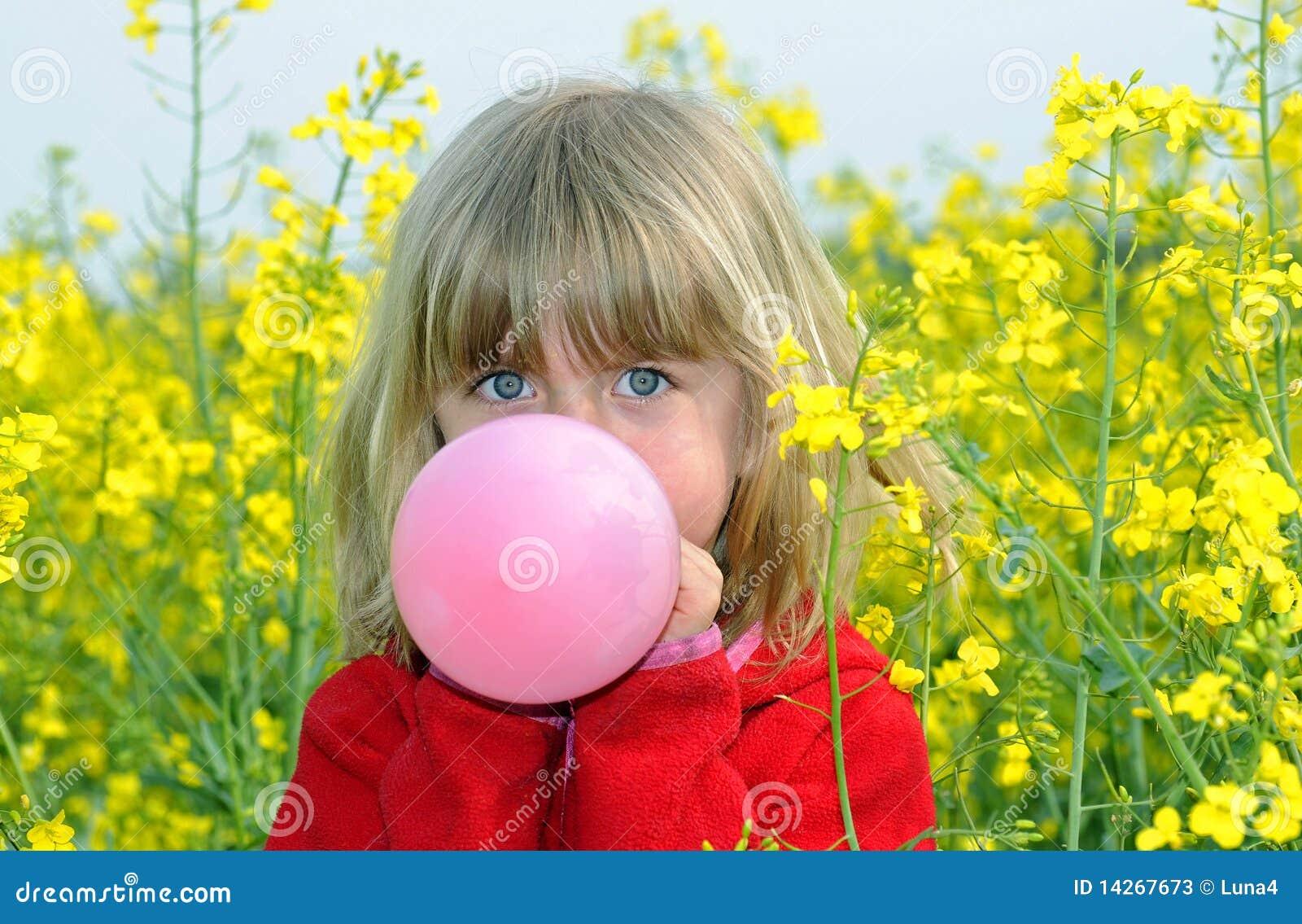 κορίτσι μπαλονιών λίγα