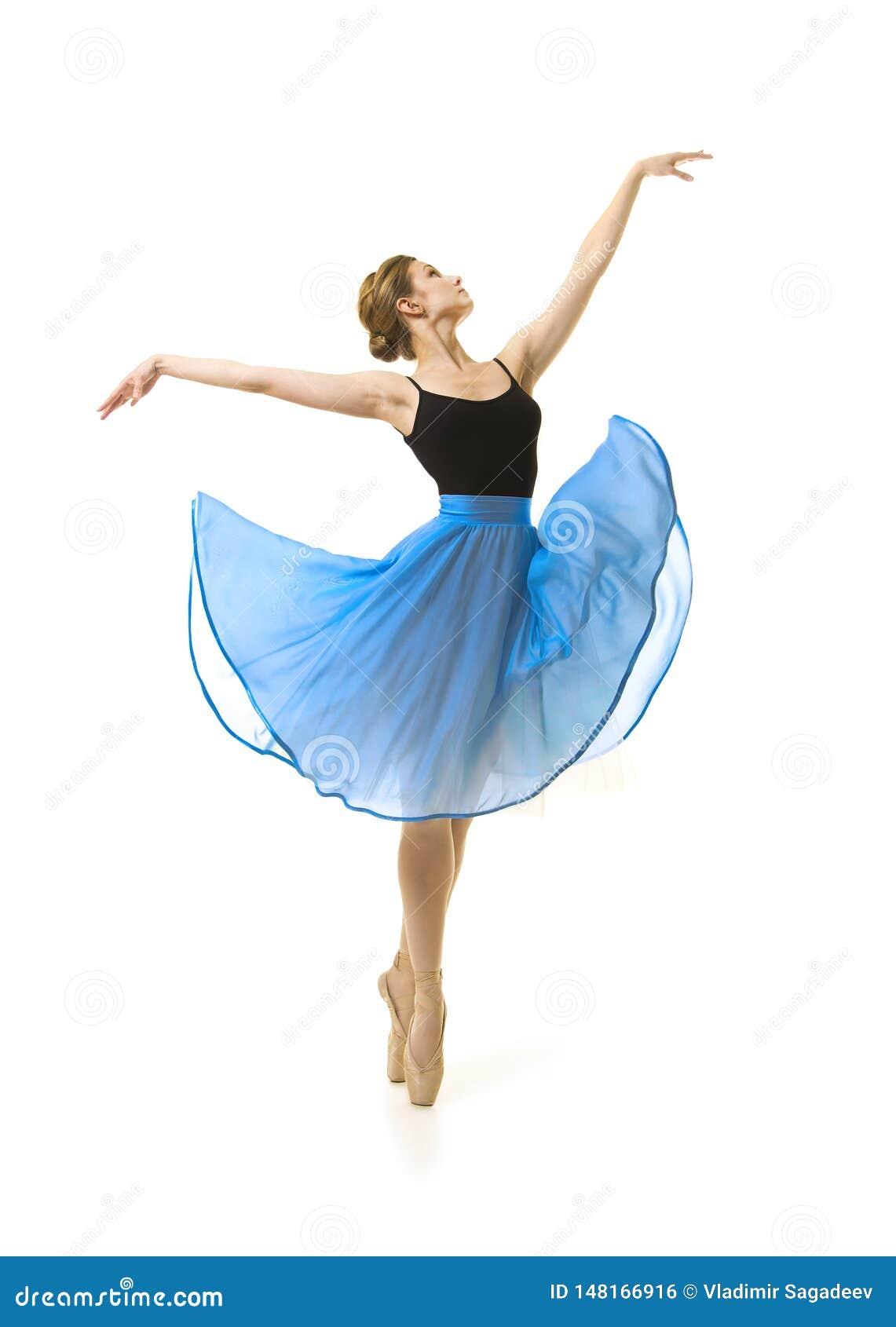Κορίτσι σε μια μπλε φούστα και ένα μαύρο μπαλέτο χορού leotard