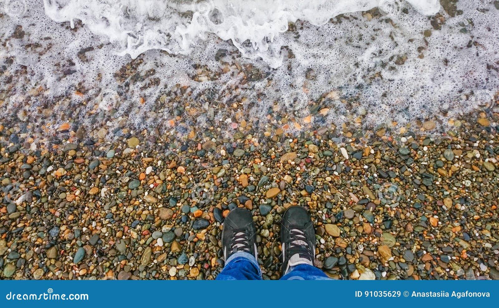 Κορίτσι σε μια παραλία