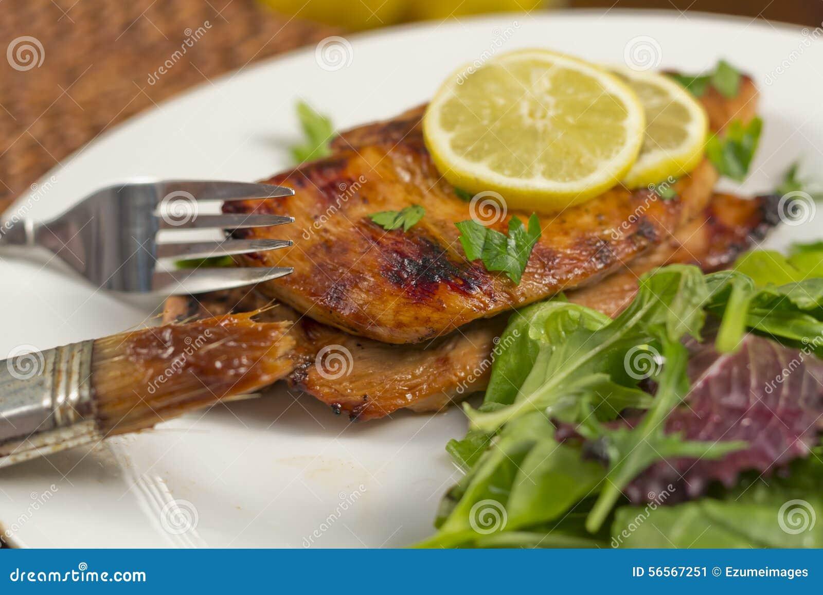 Download κοτόπουλο στηθών που ψήνεται στη σχάρα Στοκ Εικόνα - εικόνα από πουλερικά, εύκολος: 56567251