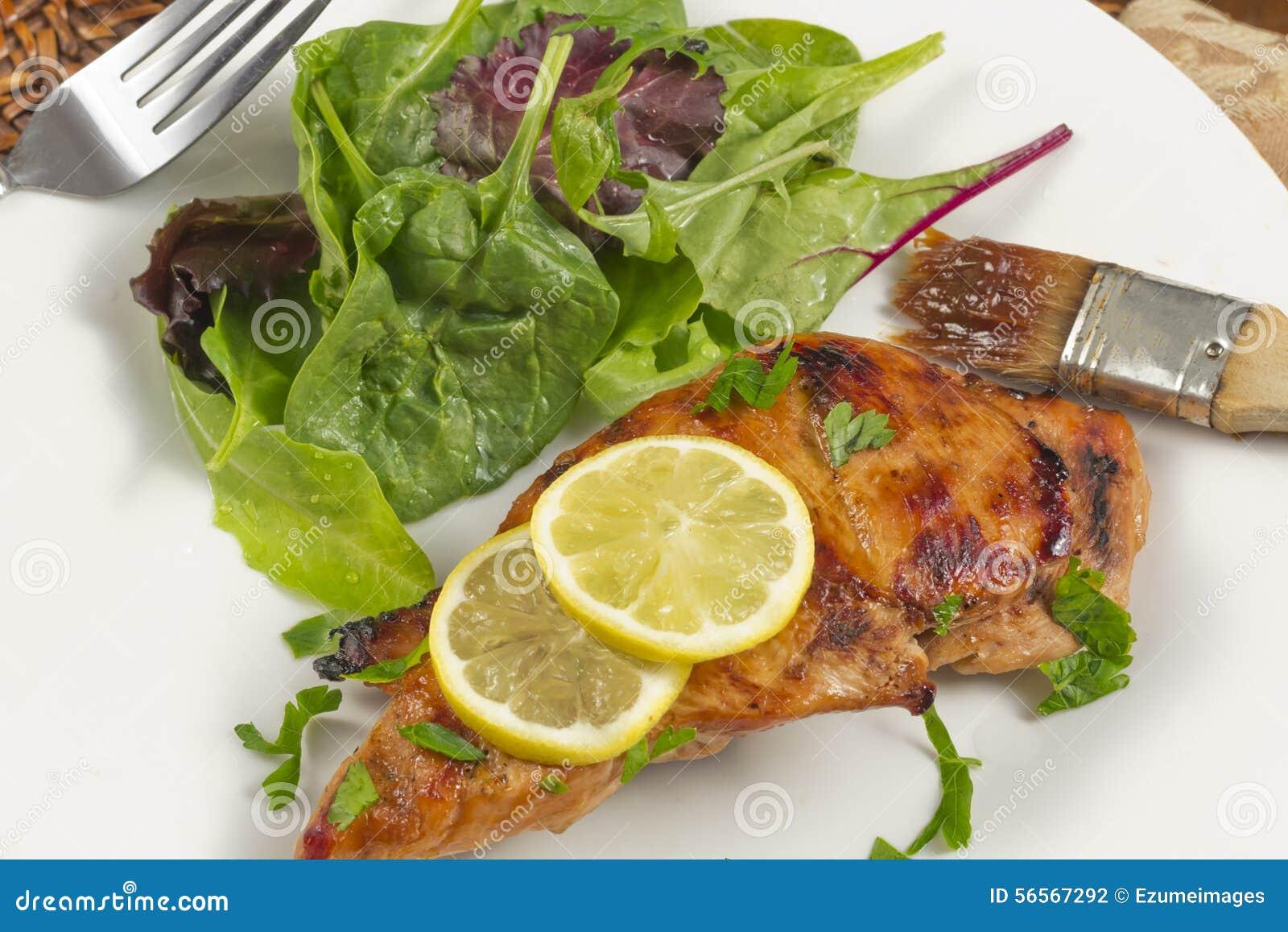 Download κοτόπουλο στηθών που ψήνεται στη σχάρα Στοκ Εικόνες - εικόνα από εύκολος, κοτόπουλο: 56567292