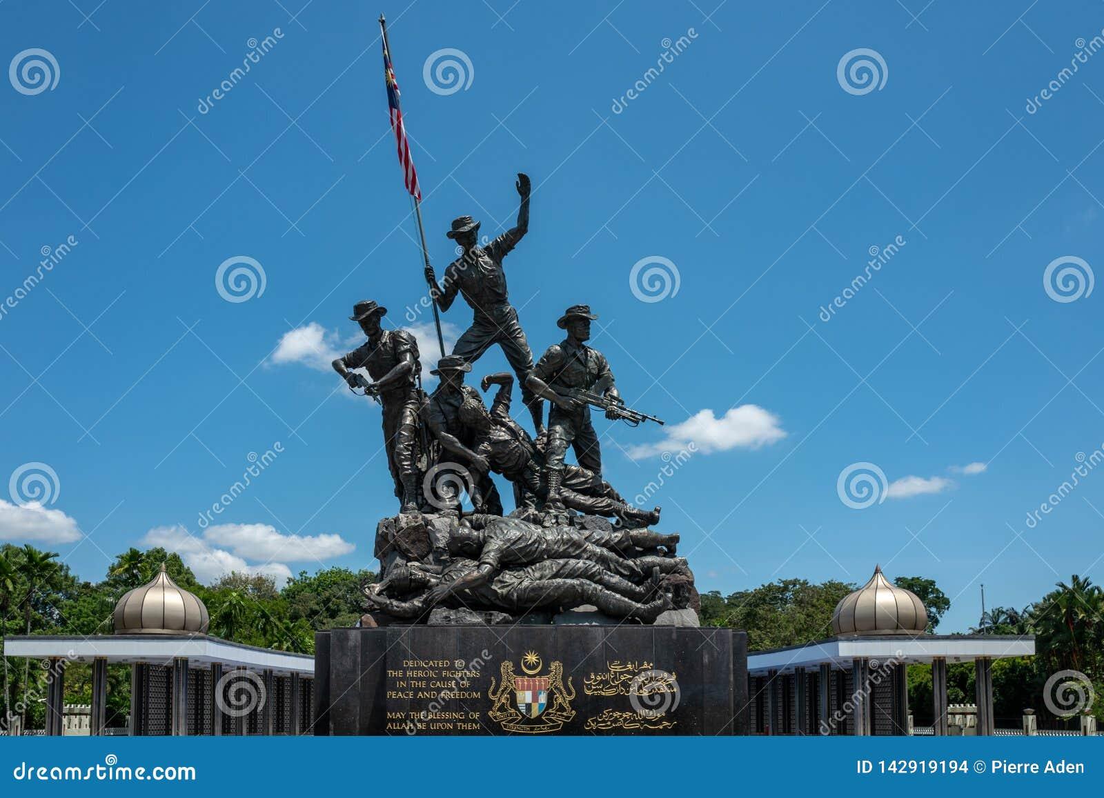 Κουάλα Λουμπούρ, Μαλαισία - 27 Φεβρουαρίου 2019: Το εθνικό μνημείο της Μαλαισίας 15 μέτρα προσδιορίζεται ως μεγαλύτερο