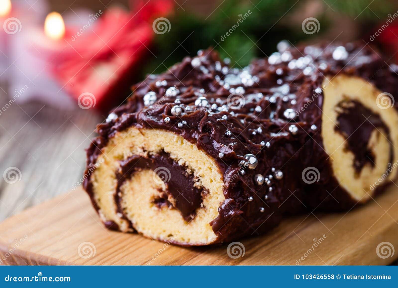 Κούτσουρο σοκολάτας Χριστουγέννων, εορταστικό κέικ διακοπών