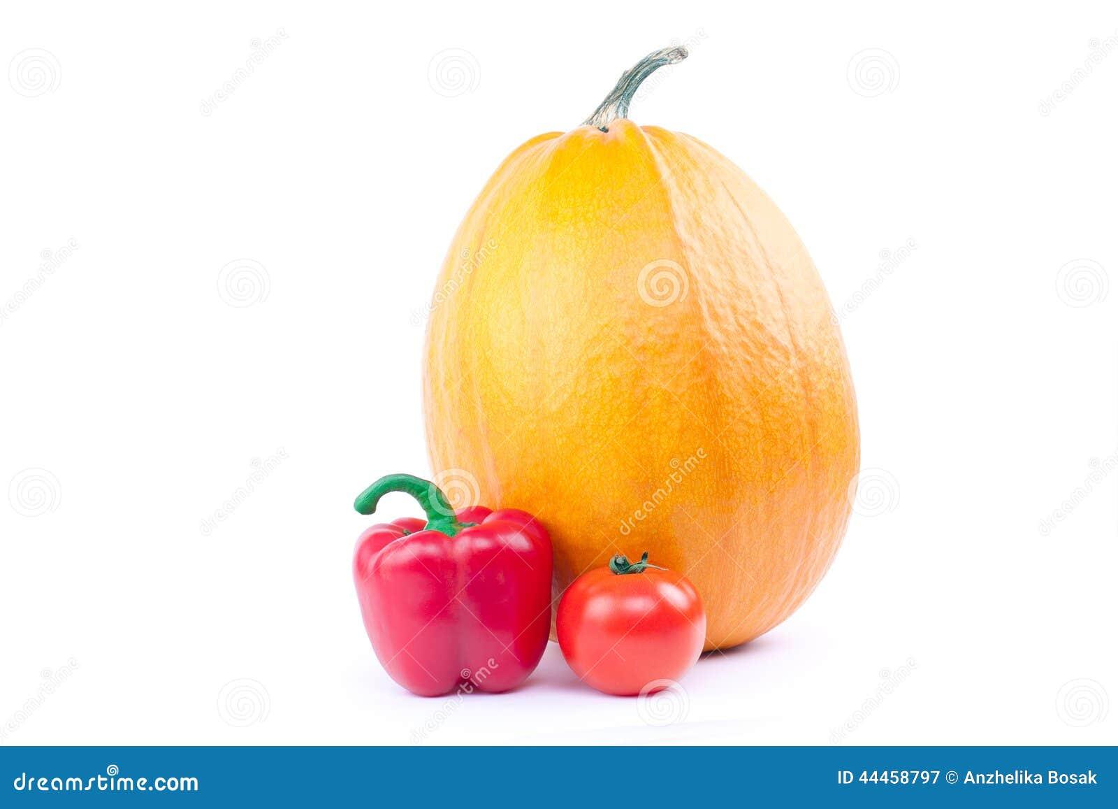 Κολοκύθα, κόκκινο πιπέρι και ντομάτα