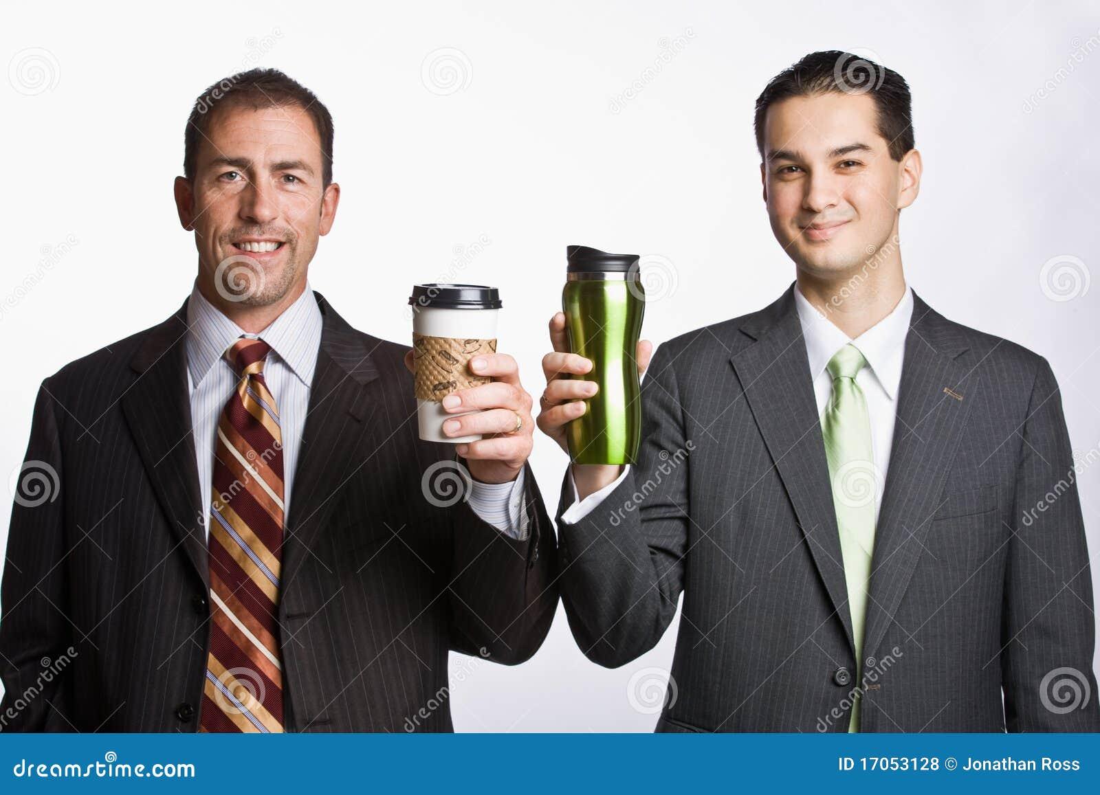 κράτημα φλυτζανιών καφέ επ&iota