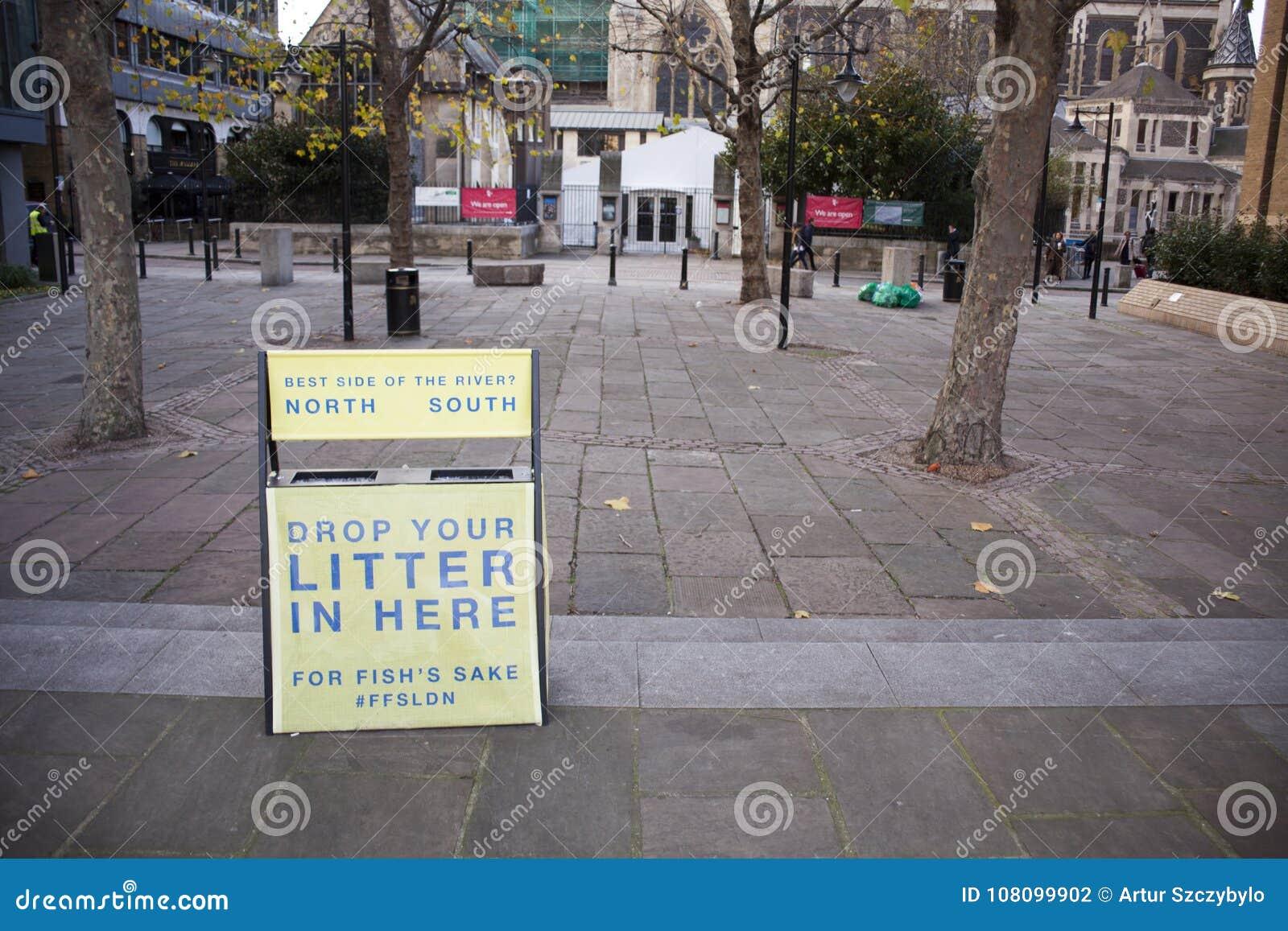 Κρατήστε καθαρός παρακαλώ ρίχνει απόρριμά σας εδώ στο Λονδίνο, Ηνωμένο Βασίλειο