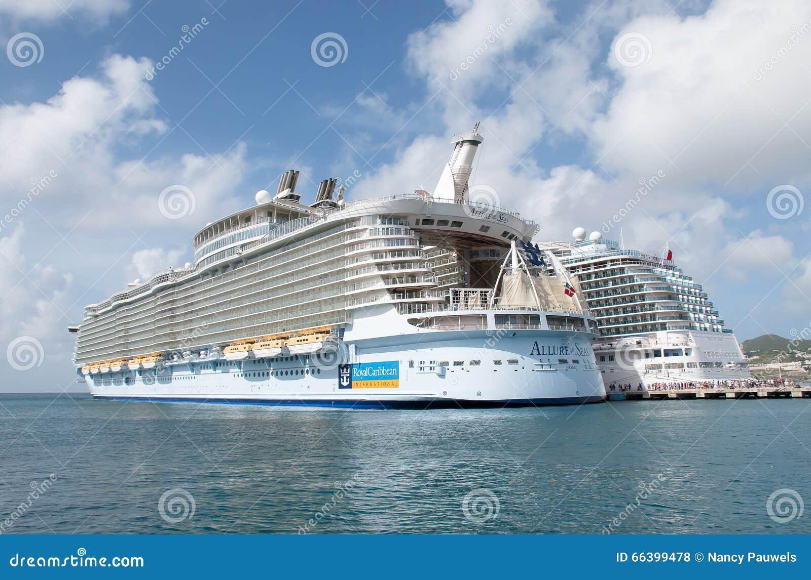 Κρουαζιερόπλοιο στο ST Maarten, γοητεία των θαλασσών