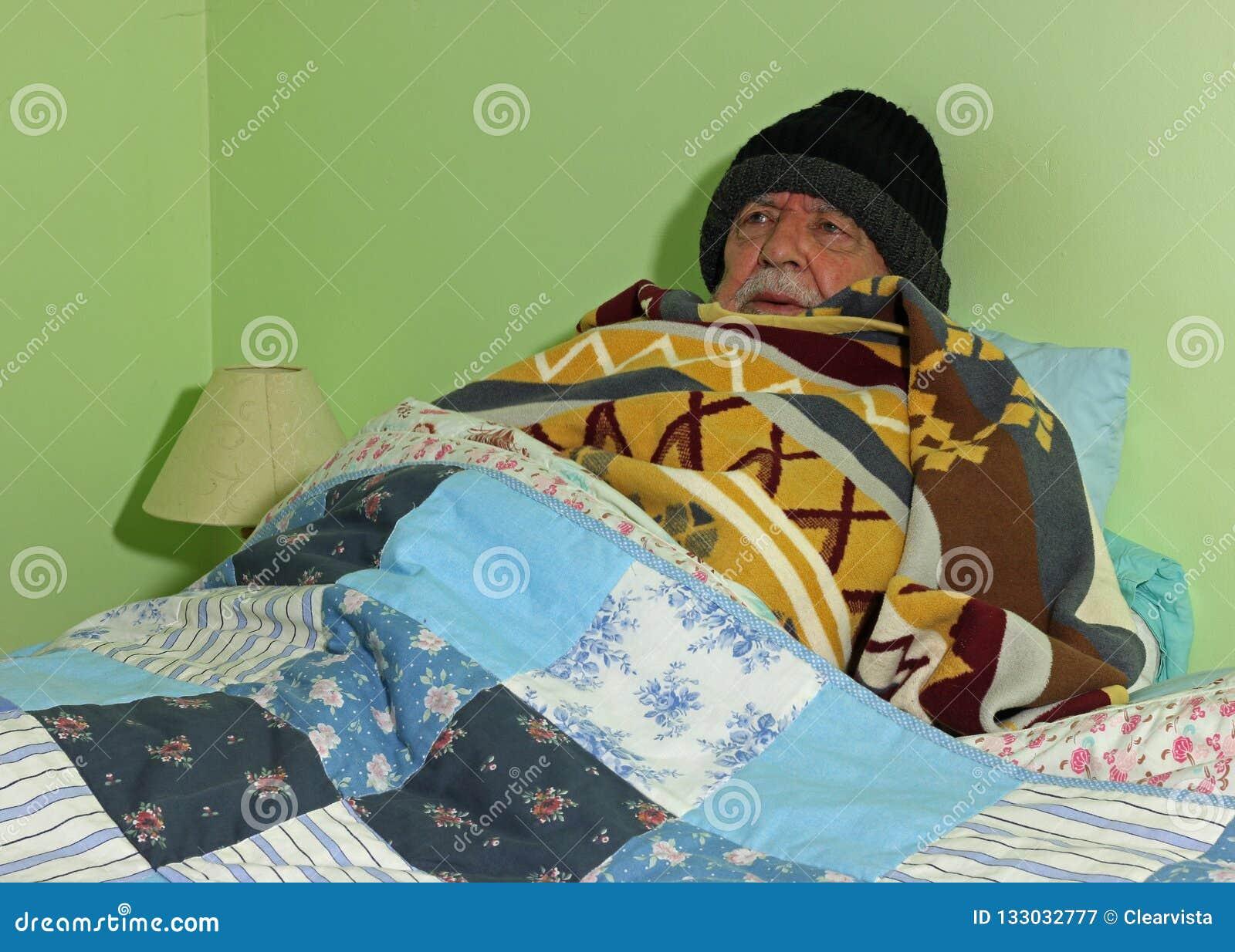 Κρύο ανώτερο άτομο Καμία θέρμανση νότιος