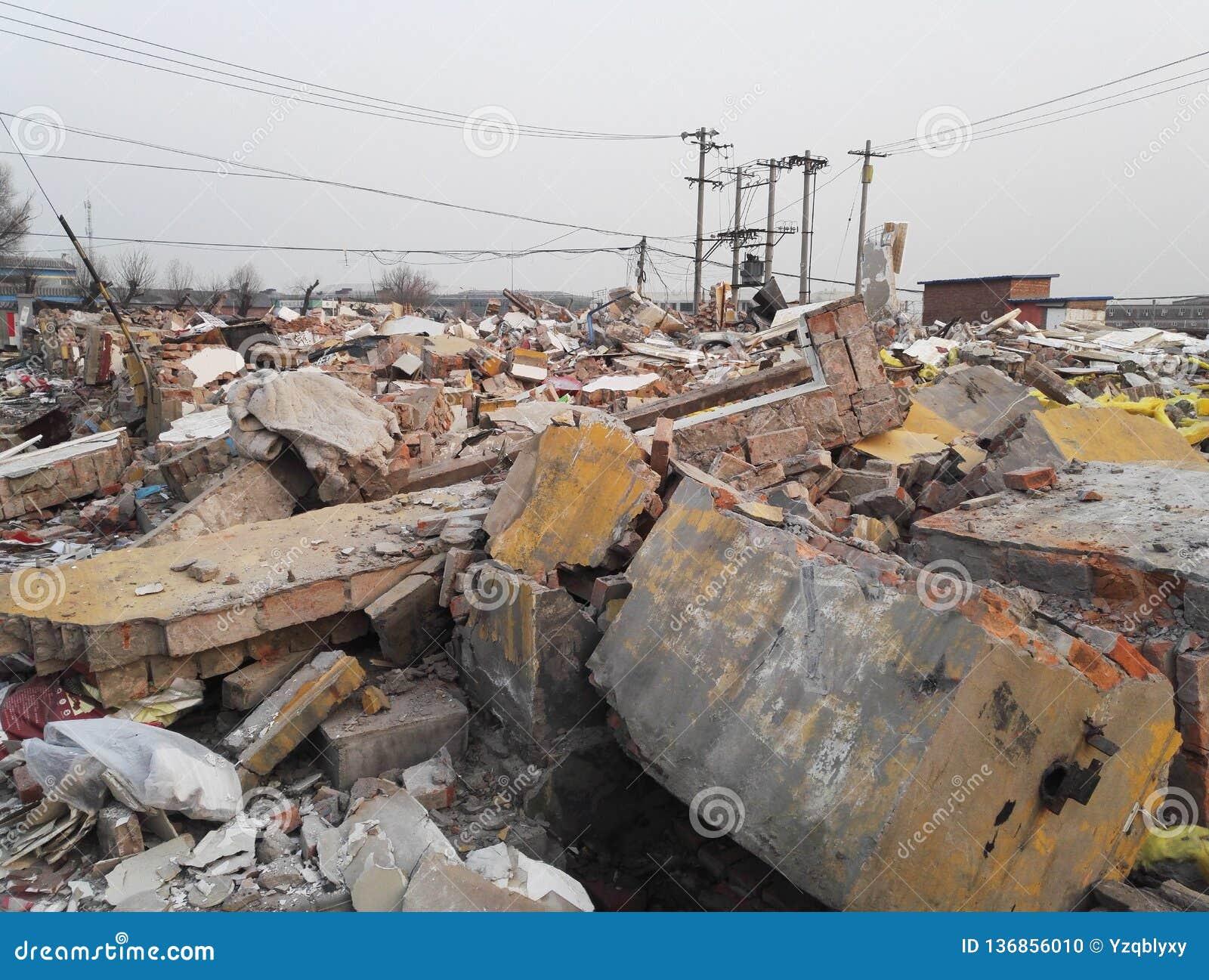 Κτήρια, κατεδάφιση, σεισμός, πόλεμος ή φυσική καταστροφή