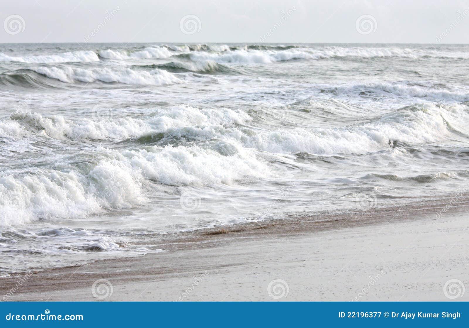 κυλώντας κύματα θάλασσα&sig