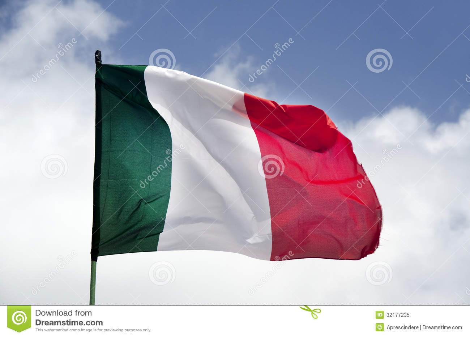 Κυματίζοντας σημαία της Ιταλίας