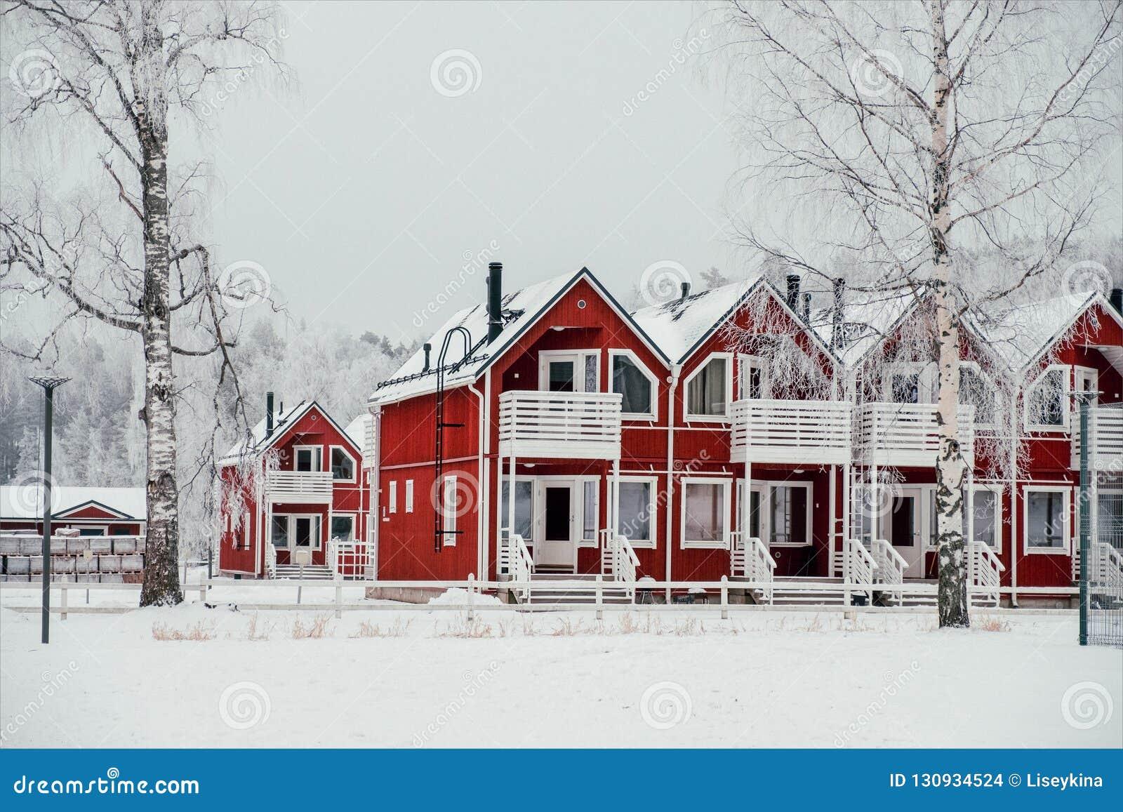 Κόκκινα townhouses στη Φινλανδία
