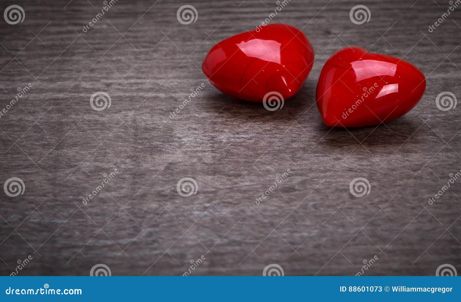Κόκκινες καρδιές βαλεντίνων