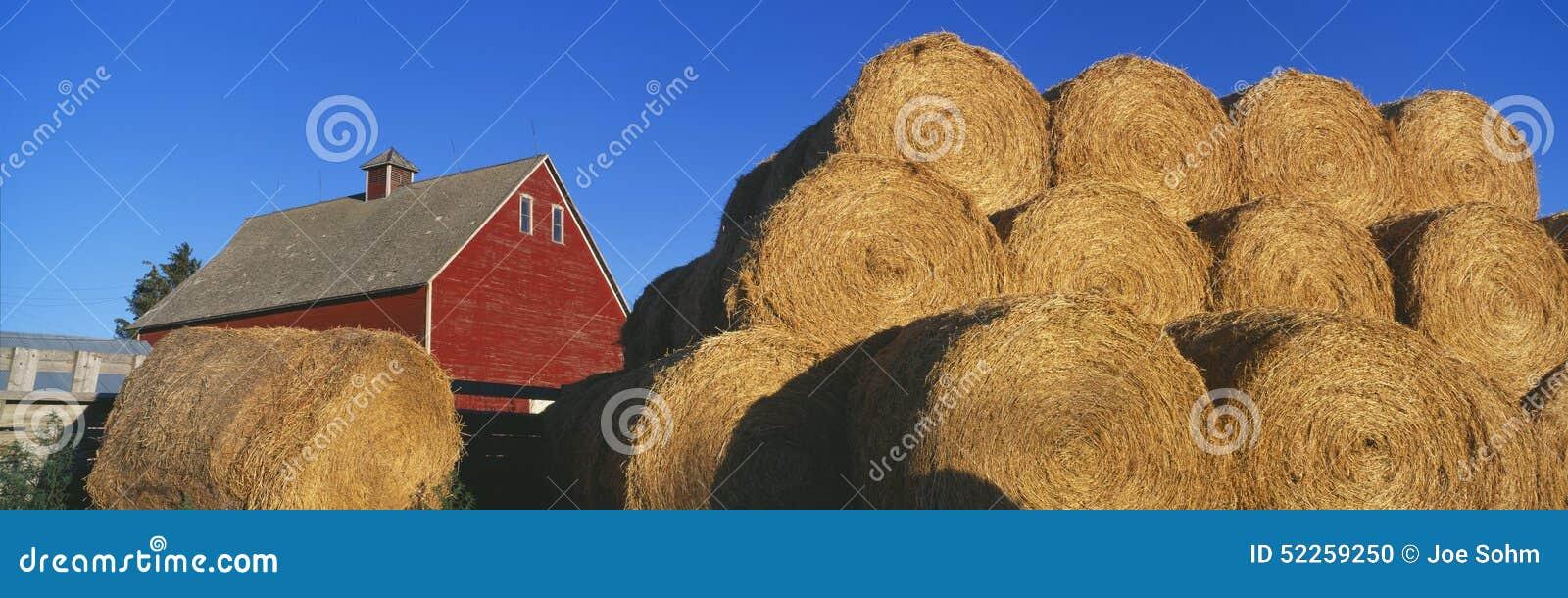 Κόκκινες σιταποθήκη και θυμωνιές χόρτου, πτώσεις του Αϊντάχο