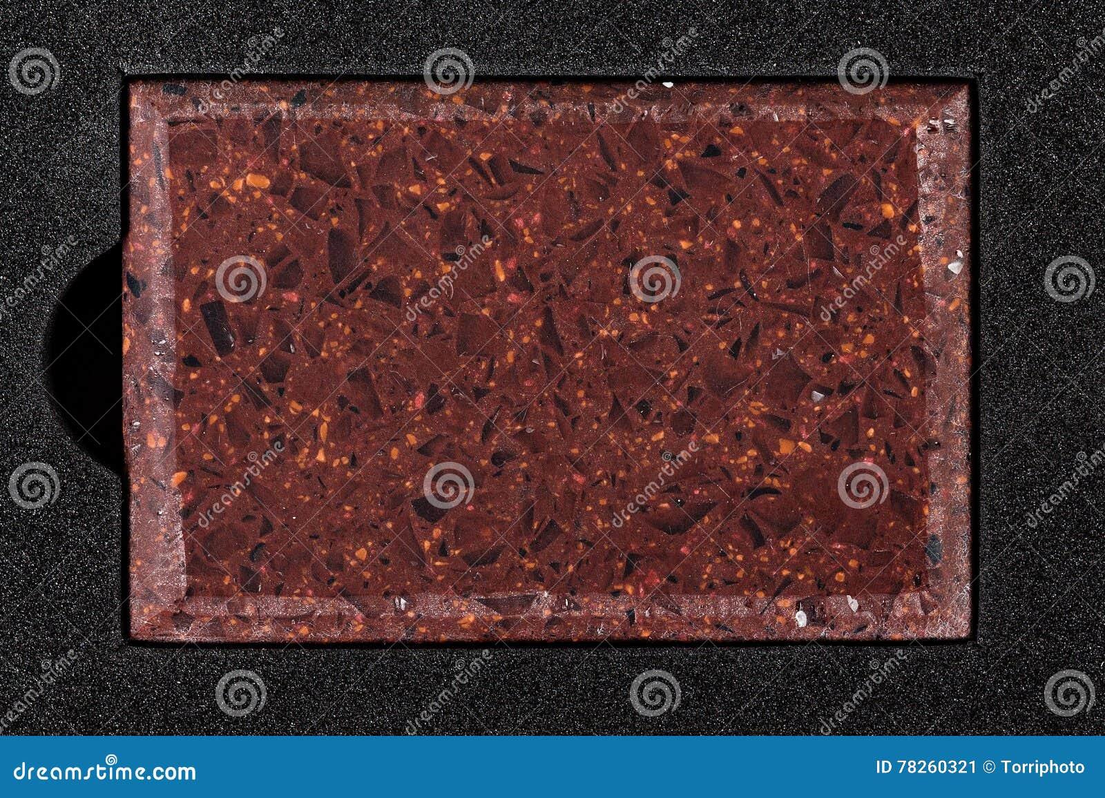 Κόκκινο αντίθετο τοπ δείγμα