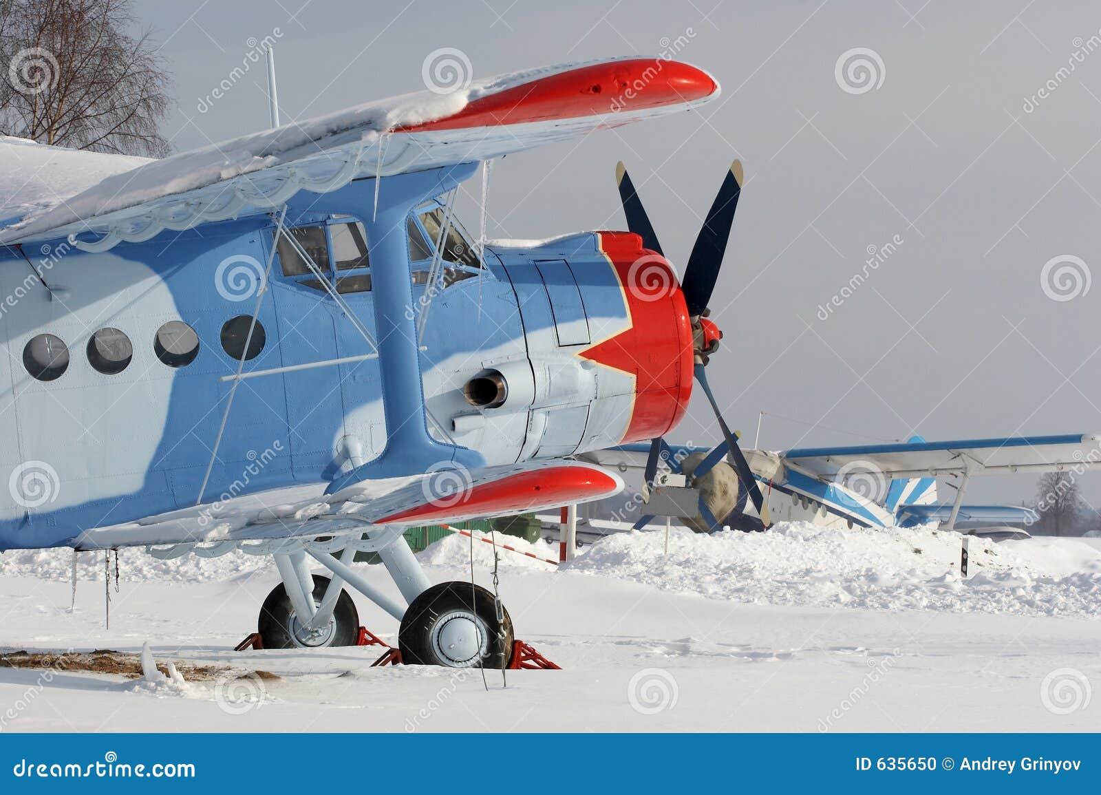 κόκκινο αστέρι χιονιού αεροπλάνων