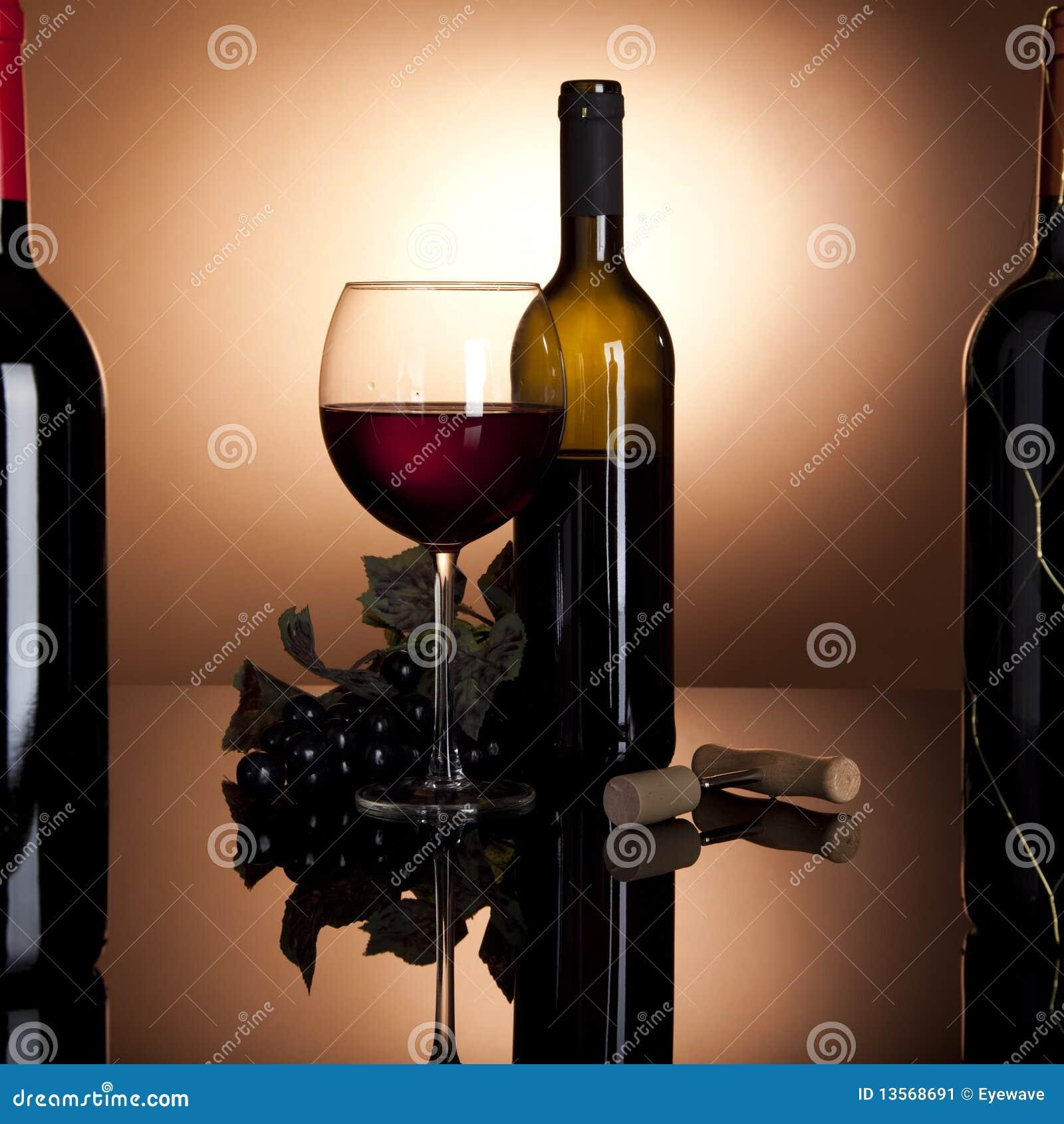 κόκκινο κρασί σταφυλιών γ