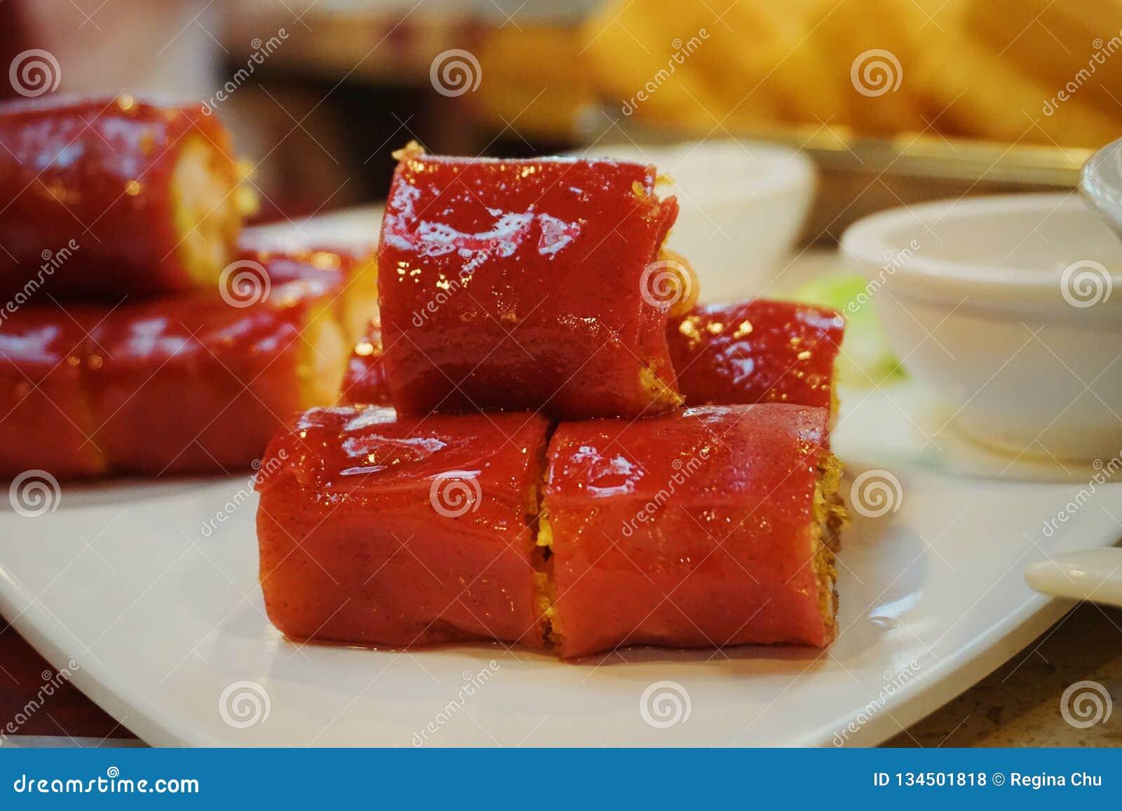 Κόκκινο λουκάνικο ρυζιού στο σπίτι τσαγιού