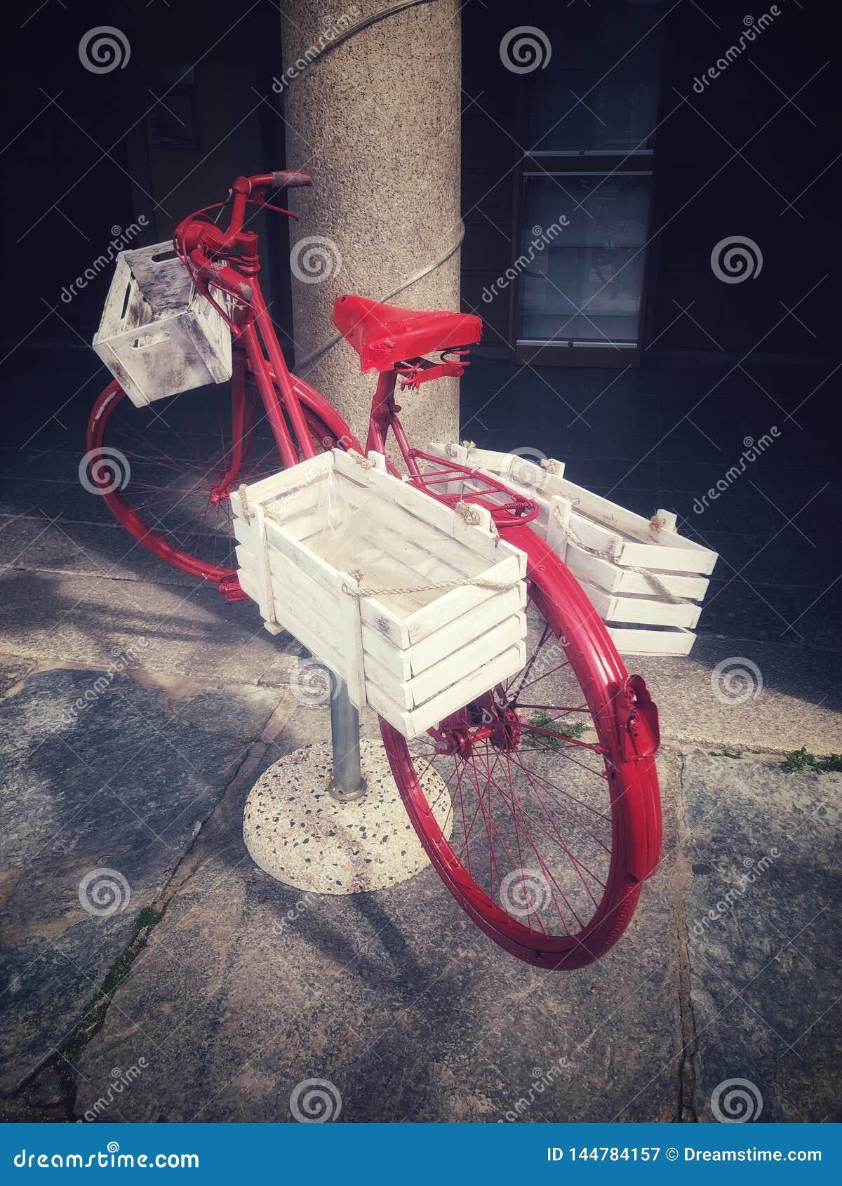 Κόκκινο ποδήλατο