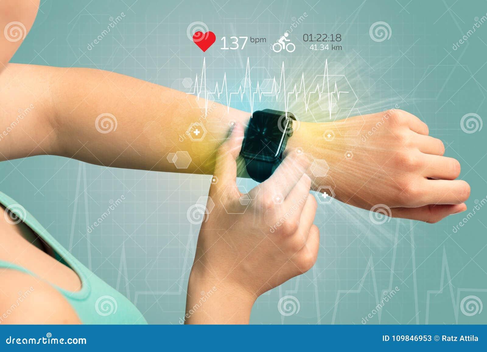 Κύκλος και smartwatch έννοια