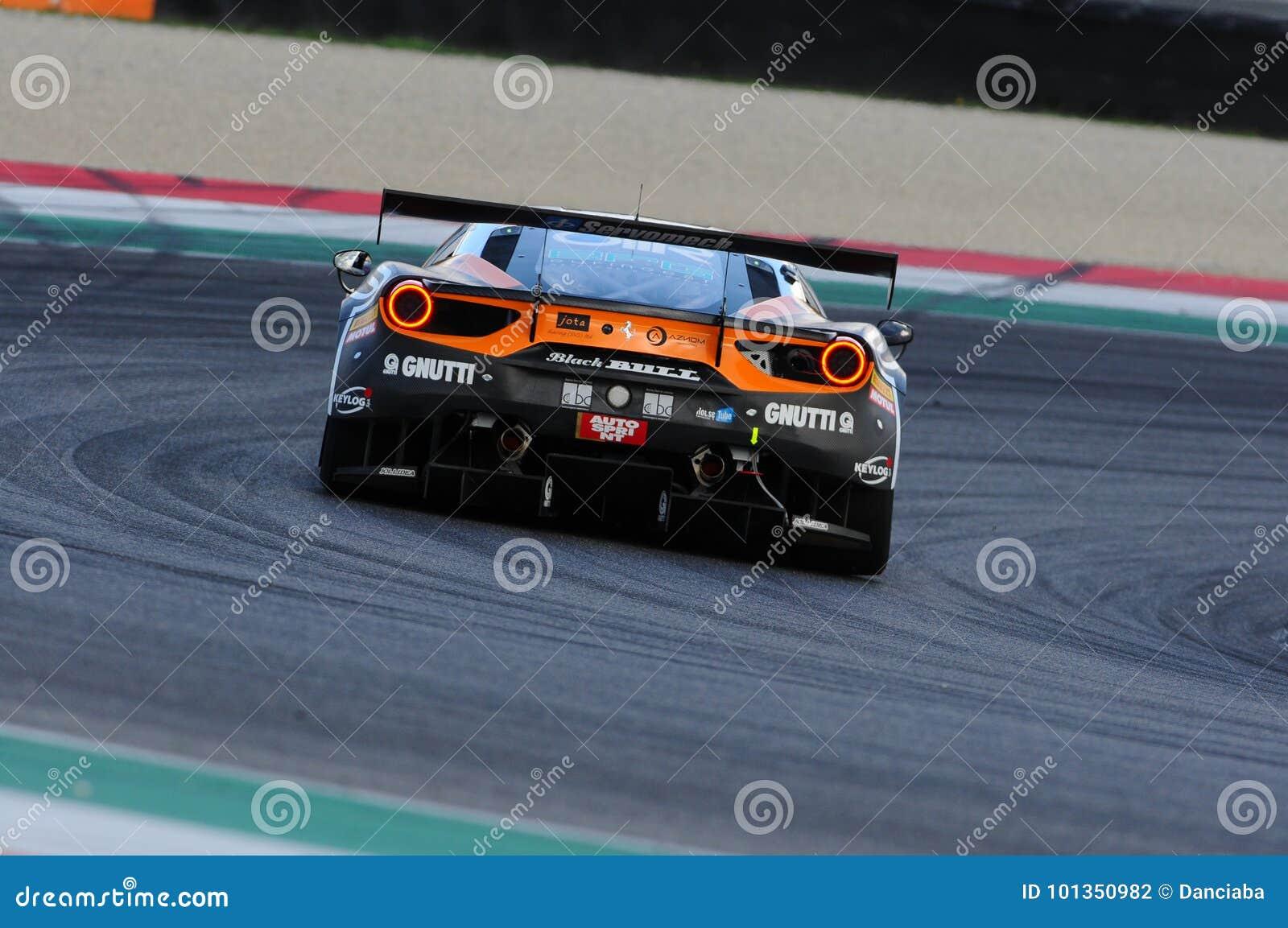 Κύκλωμα Mugello, Ιταλία - 6 Οκτωβρίου 2017: Ένα Ferrari 488 GT3 ελβετικού αγώνα του Bull ομάδας του μαύρου, που οδηγείται από το