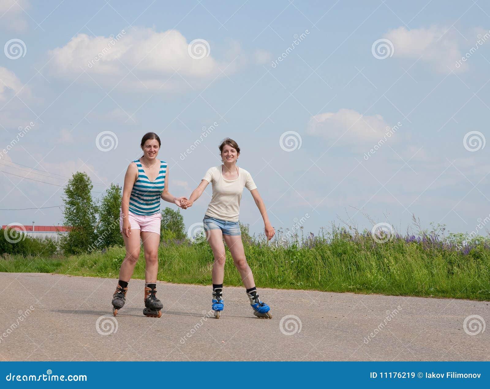 κύλινδρος δύο κοριτσιών &lamb