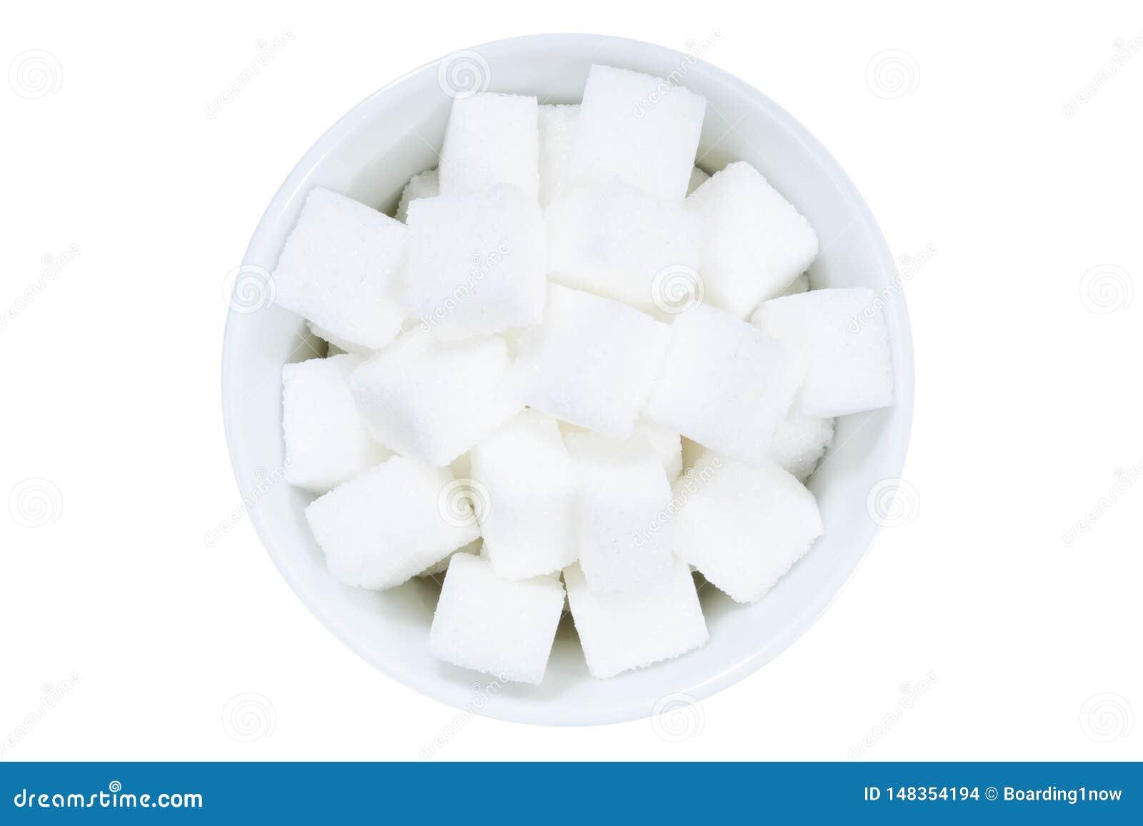 Κύπελλο ζάχαρης κομματιών άνωθεν που απομονώνεται στο λευκό