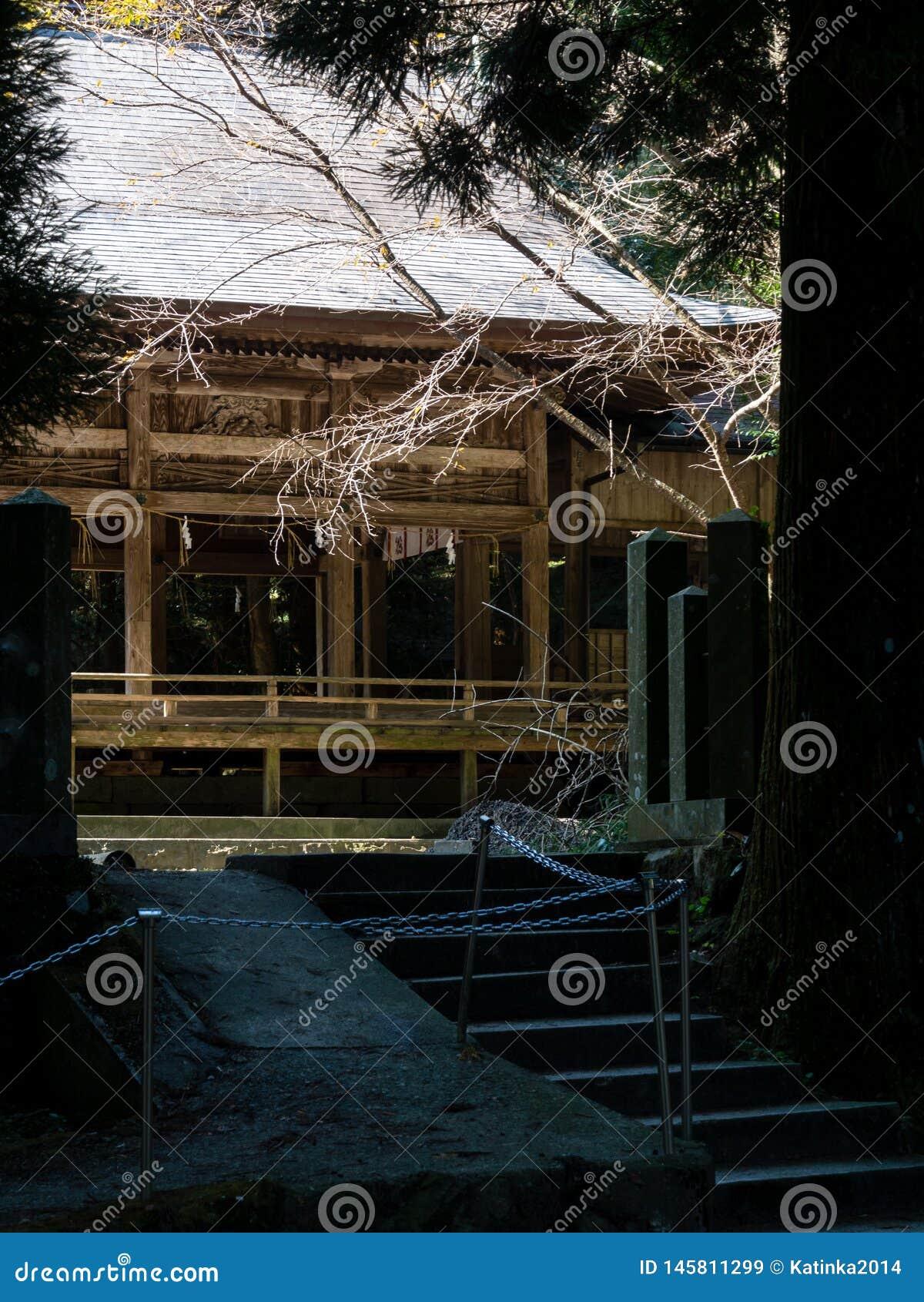 Κύρια αίθουσα της ιστορικής λάρνακας Kokuzo ηφαιστειακό caldera Aso, μέρος του εθνικού πάρκου aso-Kuju