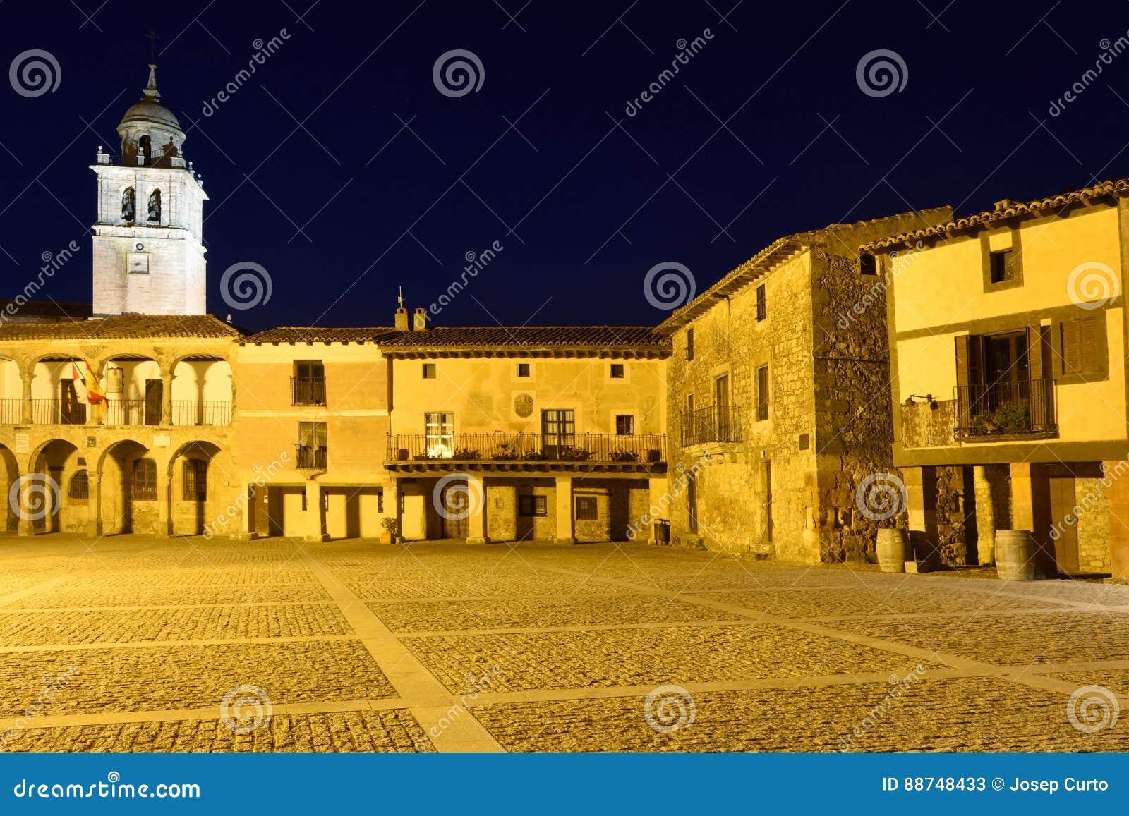 Κύριο τετράγωνο Medinaceli, Soria επαρχία,