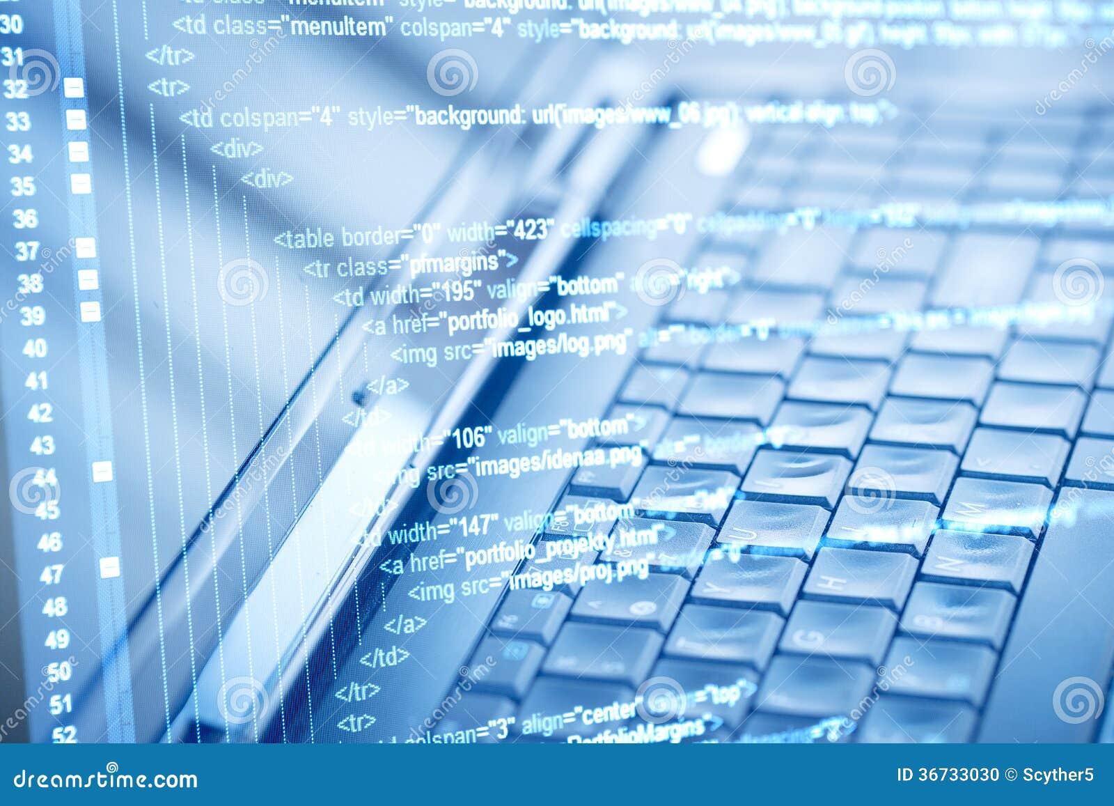 Κώδικας προγράμματος και πληκτρολόγιο υπολογιστών