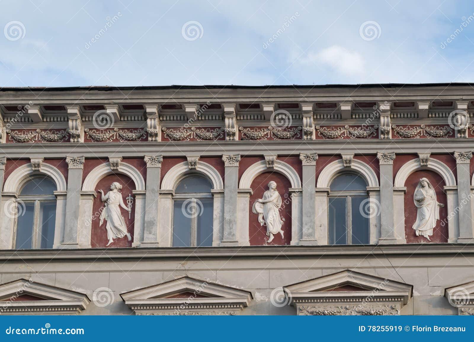 Κλασικό αρχιτεκτονικό κτήριο ύφους σε Brasov, Ρουμανία, Τρανσυλβανία, Ευρώπη