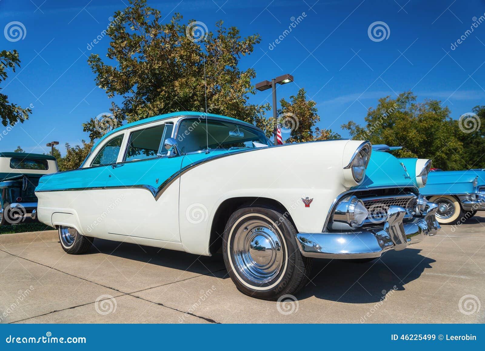 1955 κλασικό αυτοκίνητο της Ford Fairlane