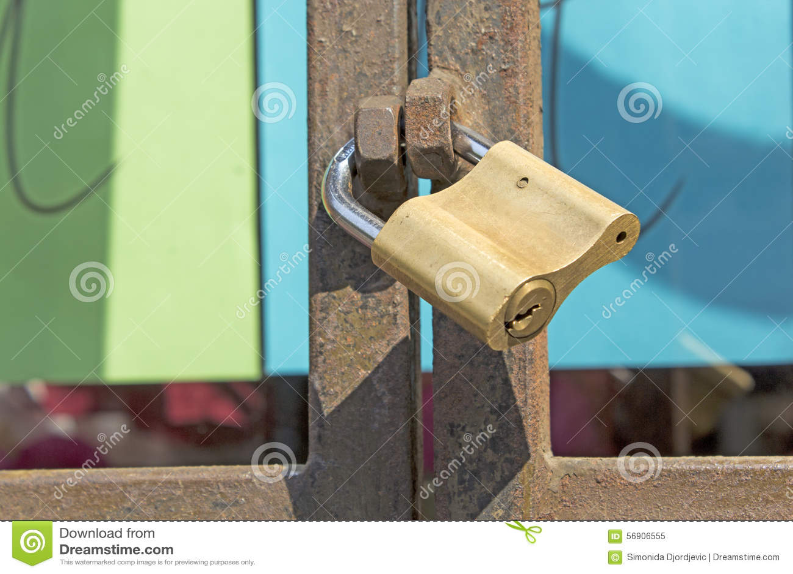 κλείδωμα πυλών σκουρια&s