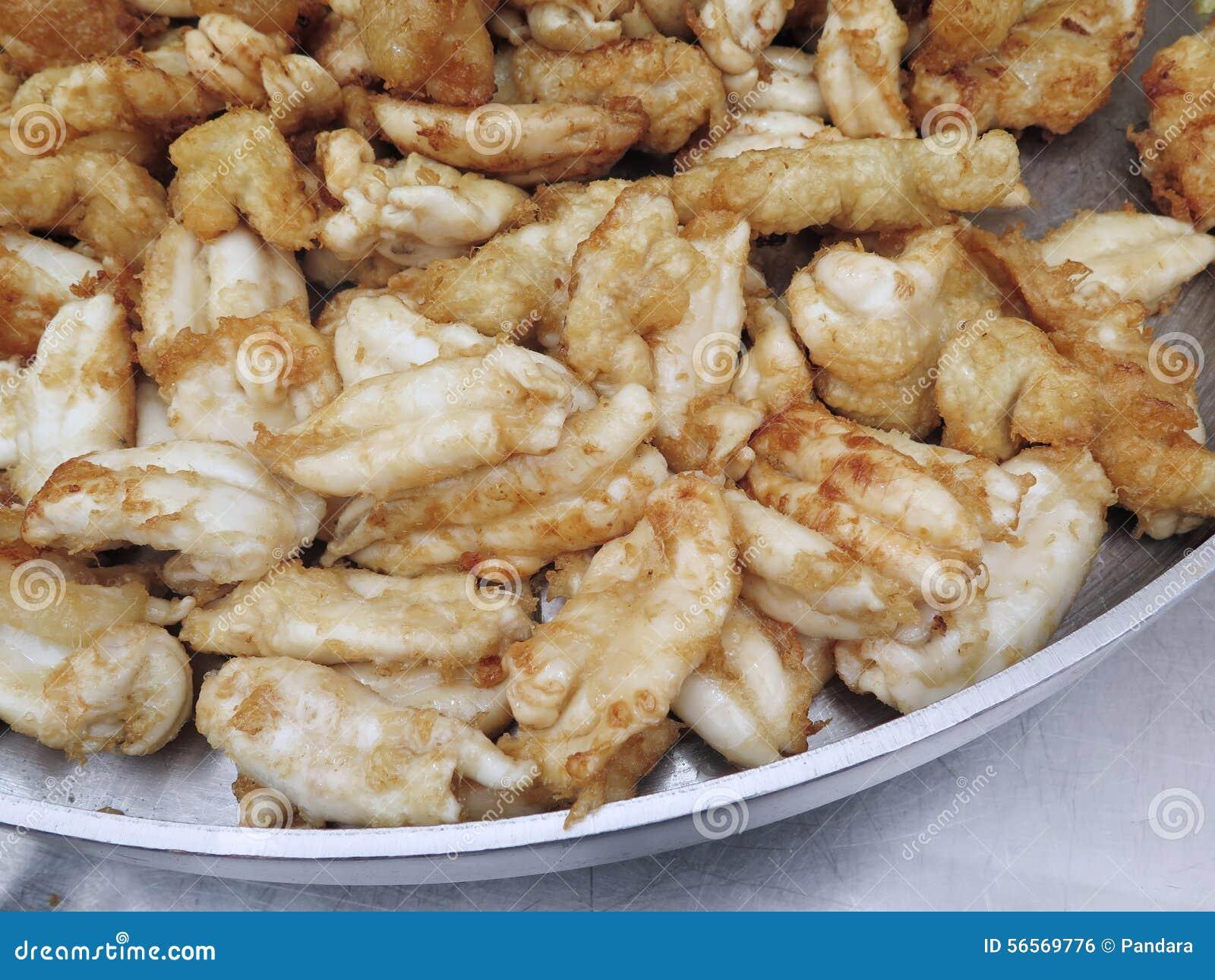 Download Κλειστά επάνω τηγανισμένα αυγά καλαμαριών, ασιατικά τρόφιμα Στοκ Εικόνες - εικόνα από τρόφιμα, καλαμάρι: 56569776