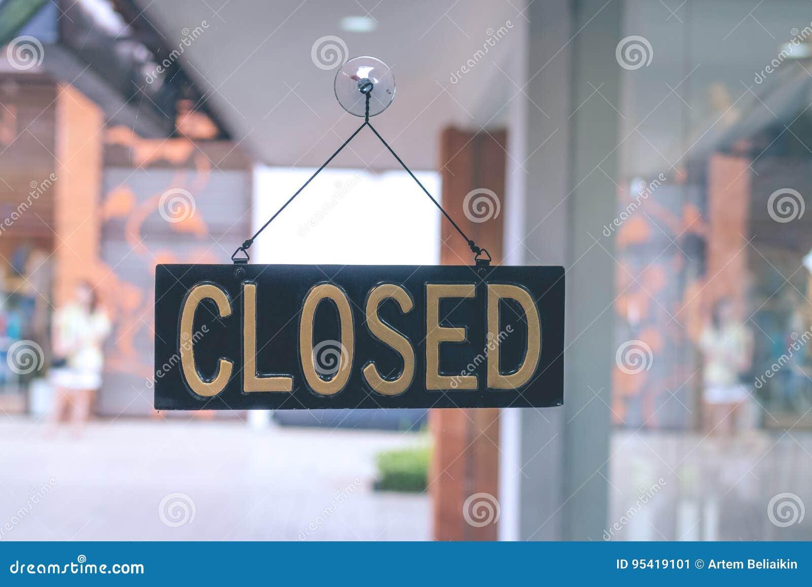 Κλειστό σημάδι στο κατάστημα, νησί του Μπαλί