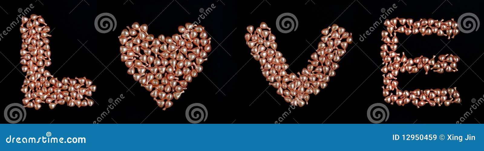 λέξη μαργαριταριών αγάπης