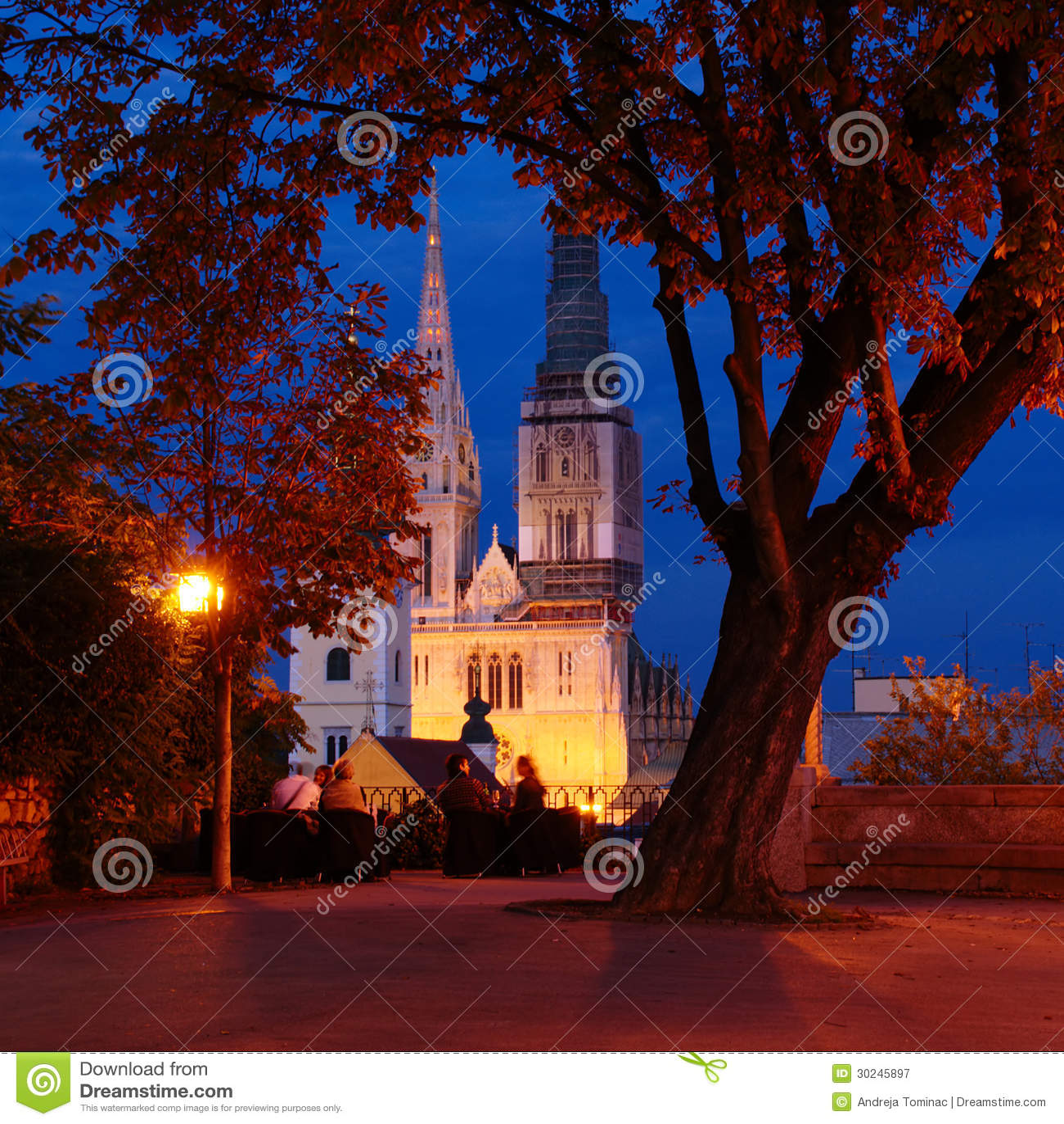 Βράδυ φθινοπώρου σε Gornji Grad στο Ζάγκρεμπ