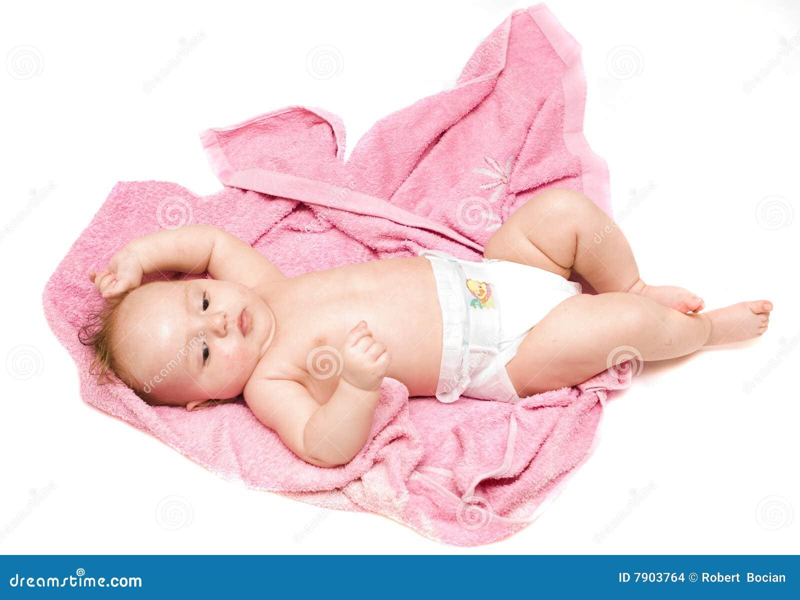 Λίγο μωρό μετά από το λουτρό