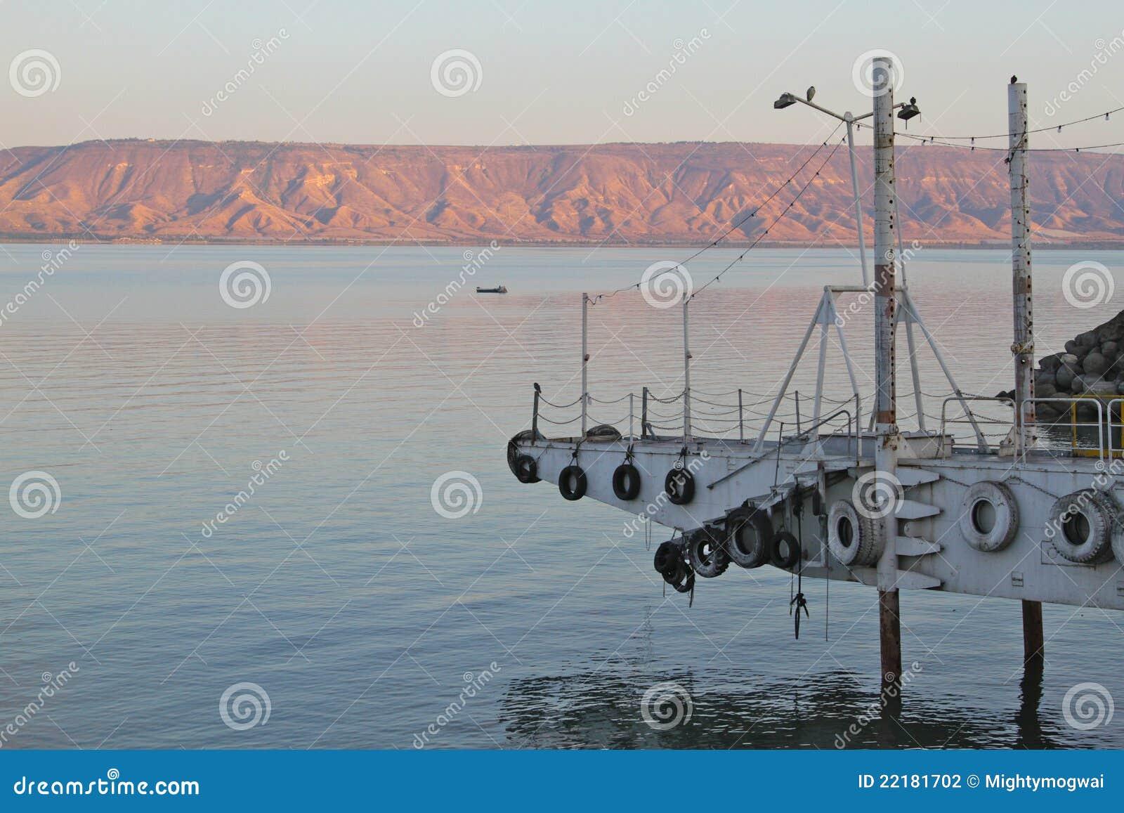 λίμνη αυγής kinneret