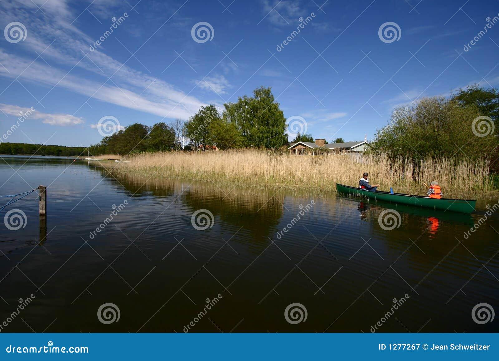 λίμνη διασκέδασης