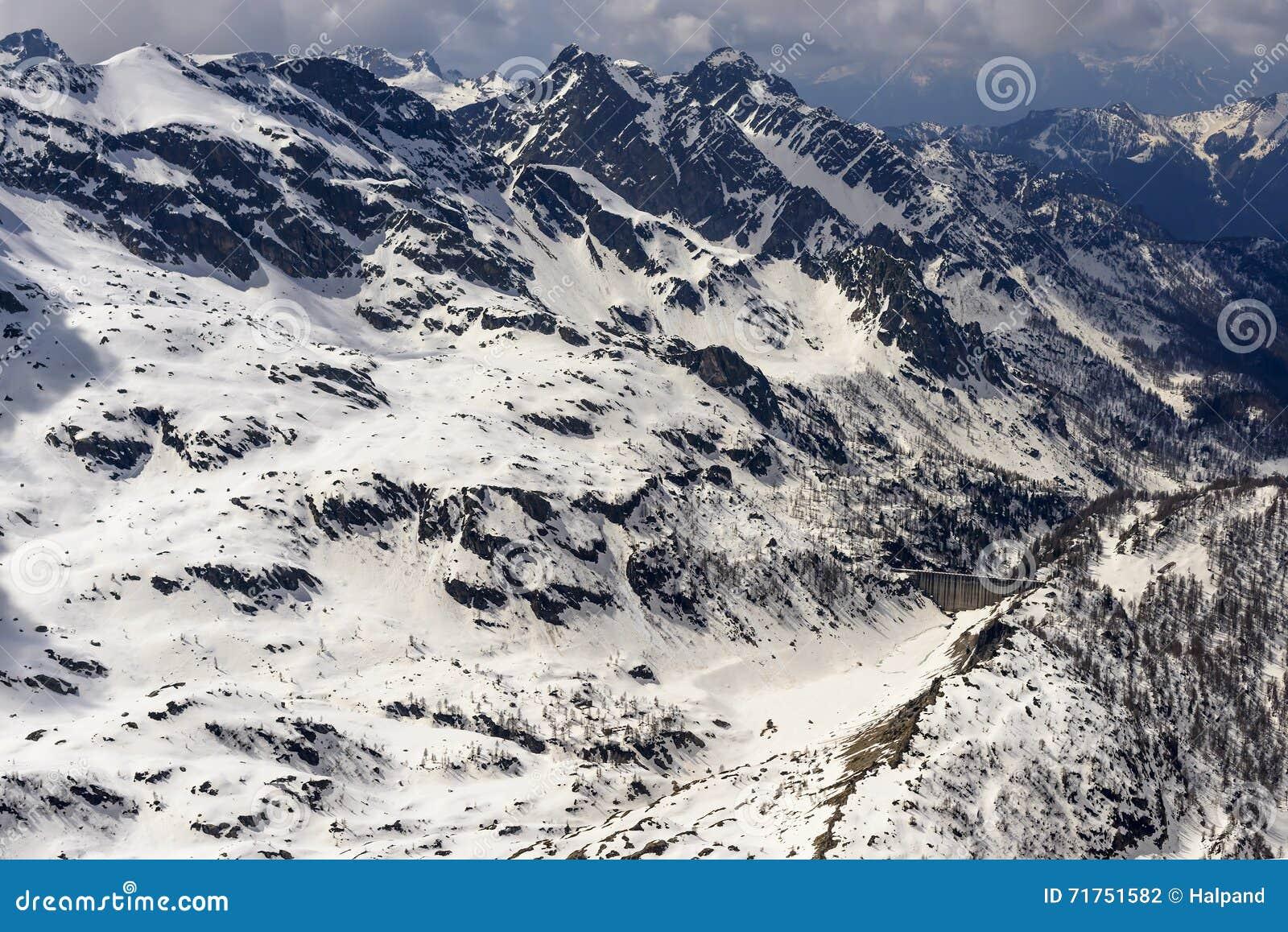 Λίμνη και φράγμα Fregabolgia το χειμώνα, Orobie