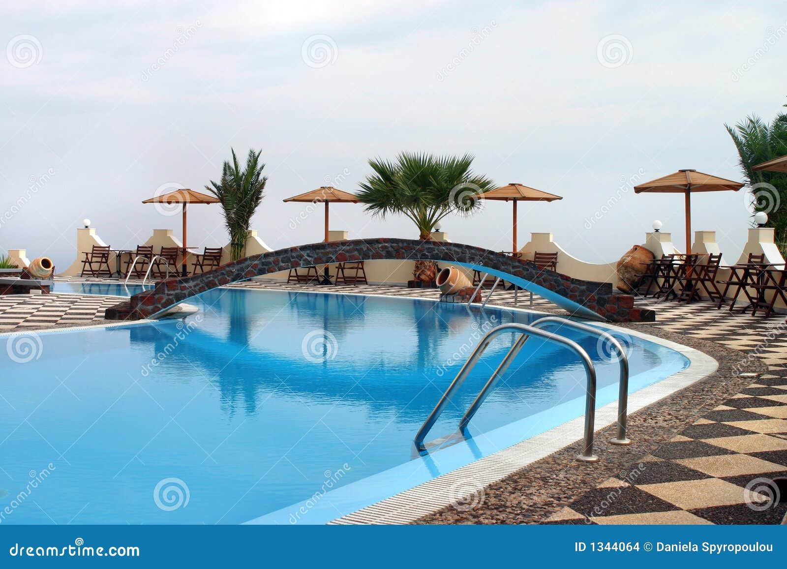 λίμνη ξενοδοχείων