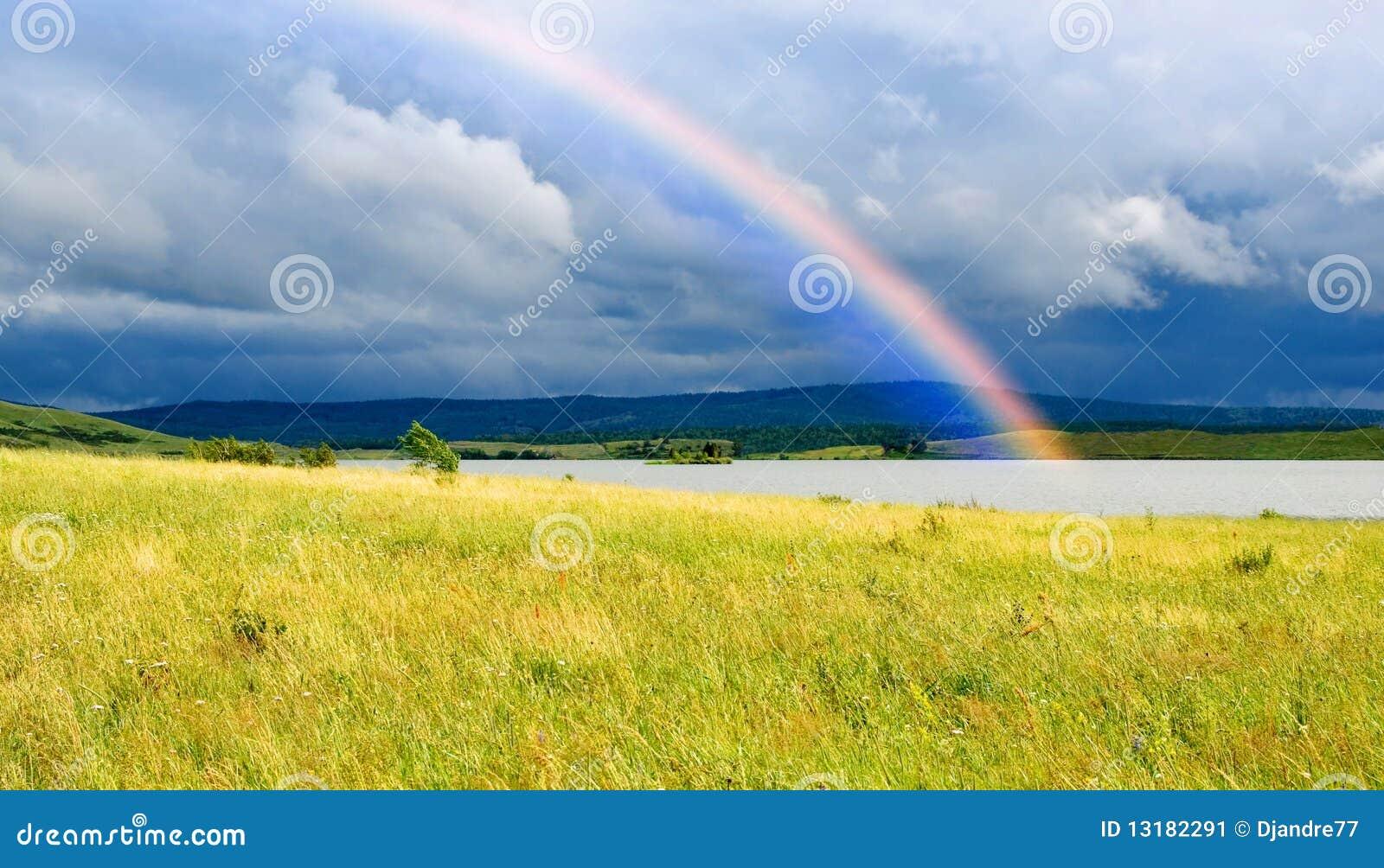 λίμνη πεδίων χρωμάτων πέρα από &tau
