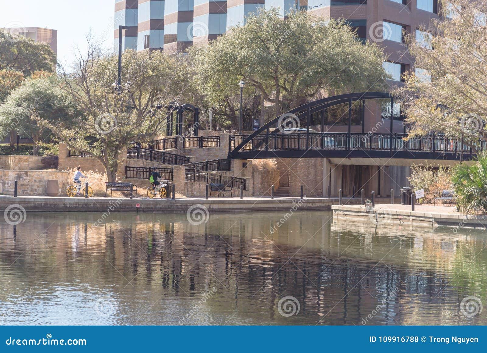 Λίμνη Carolyn σε Las Colinas, Irving, Τέξας, ΗΠΑ